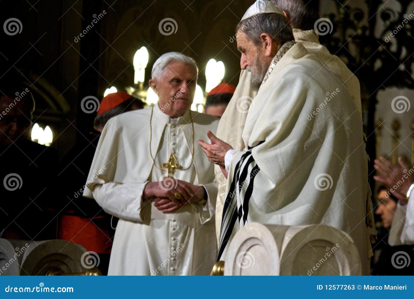 Rome/ Pope Benedictus XVI visit Synagogue of Rome