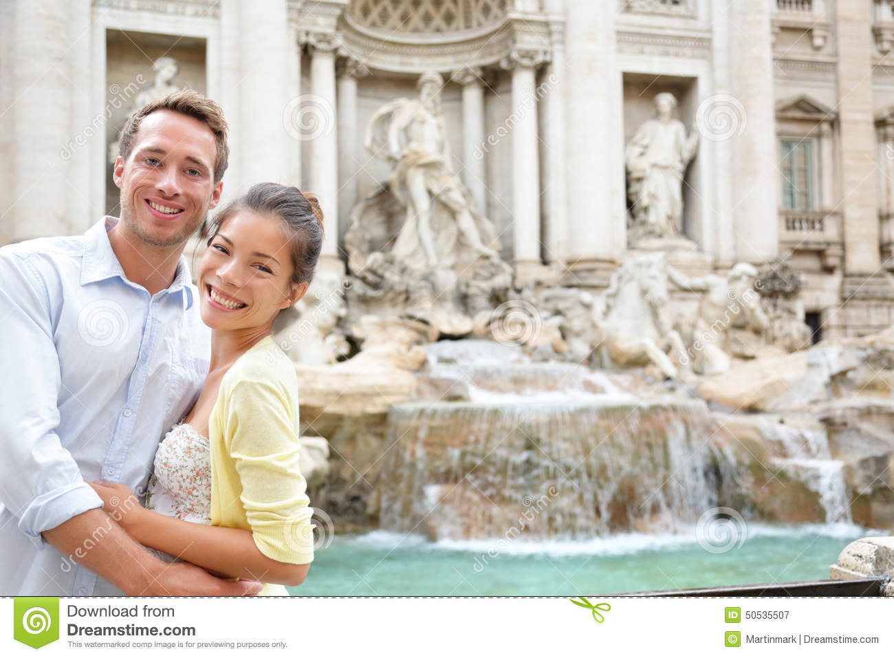 rome travel couple in love at trevi fountain stock image image of italian dating 50535507. Black Bedroom Furniture Sets. Home Design Ideas