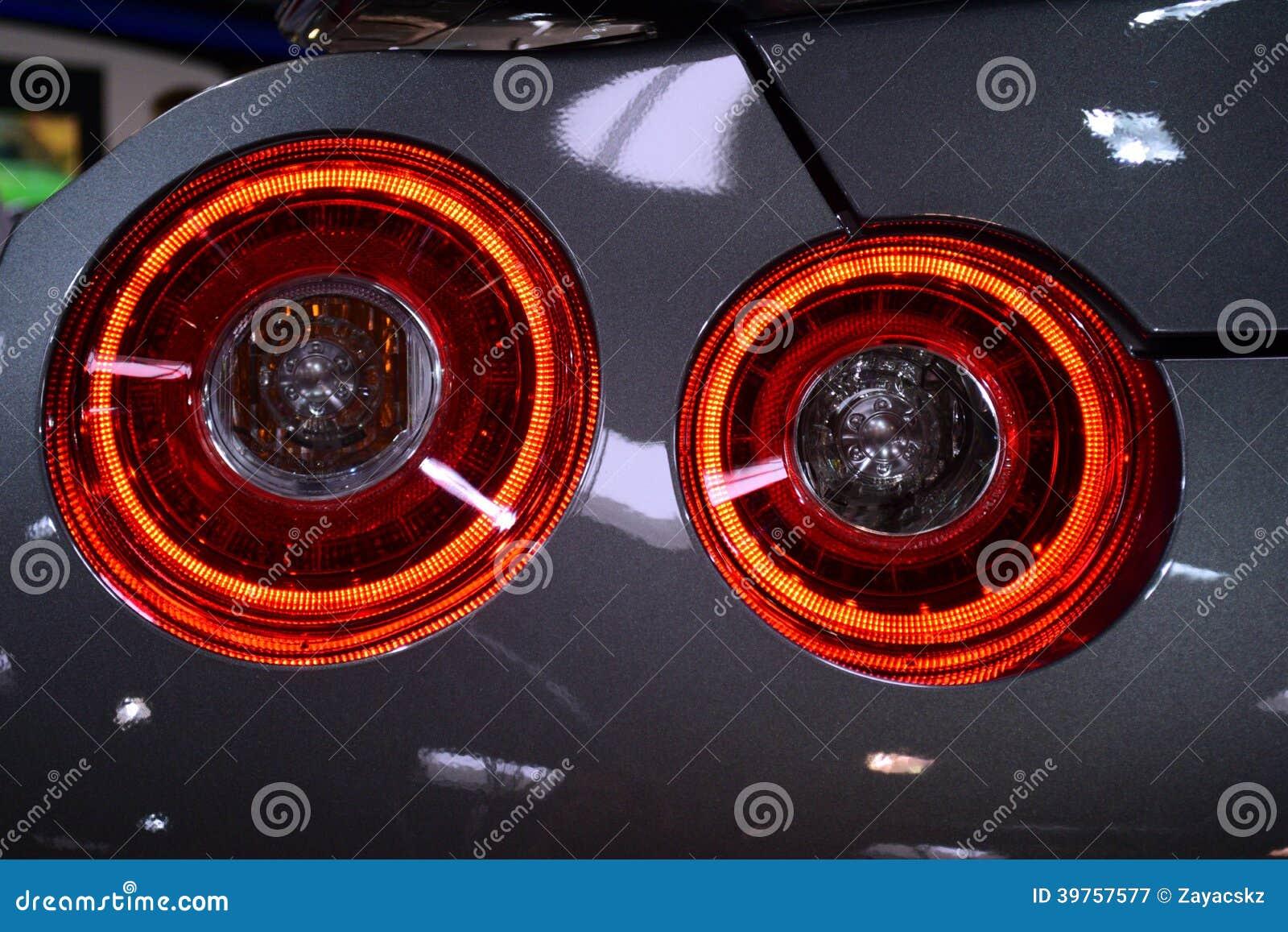 Rond Achterlicht Van Japanse Sportwagen Zilveren Chassis