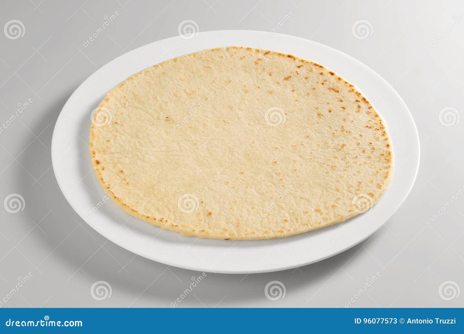 Ronde schotel met piadinabrood