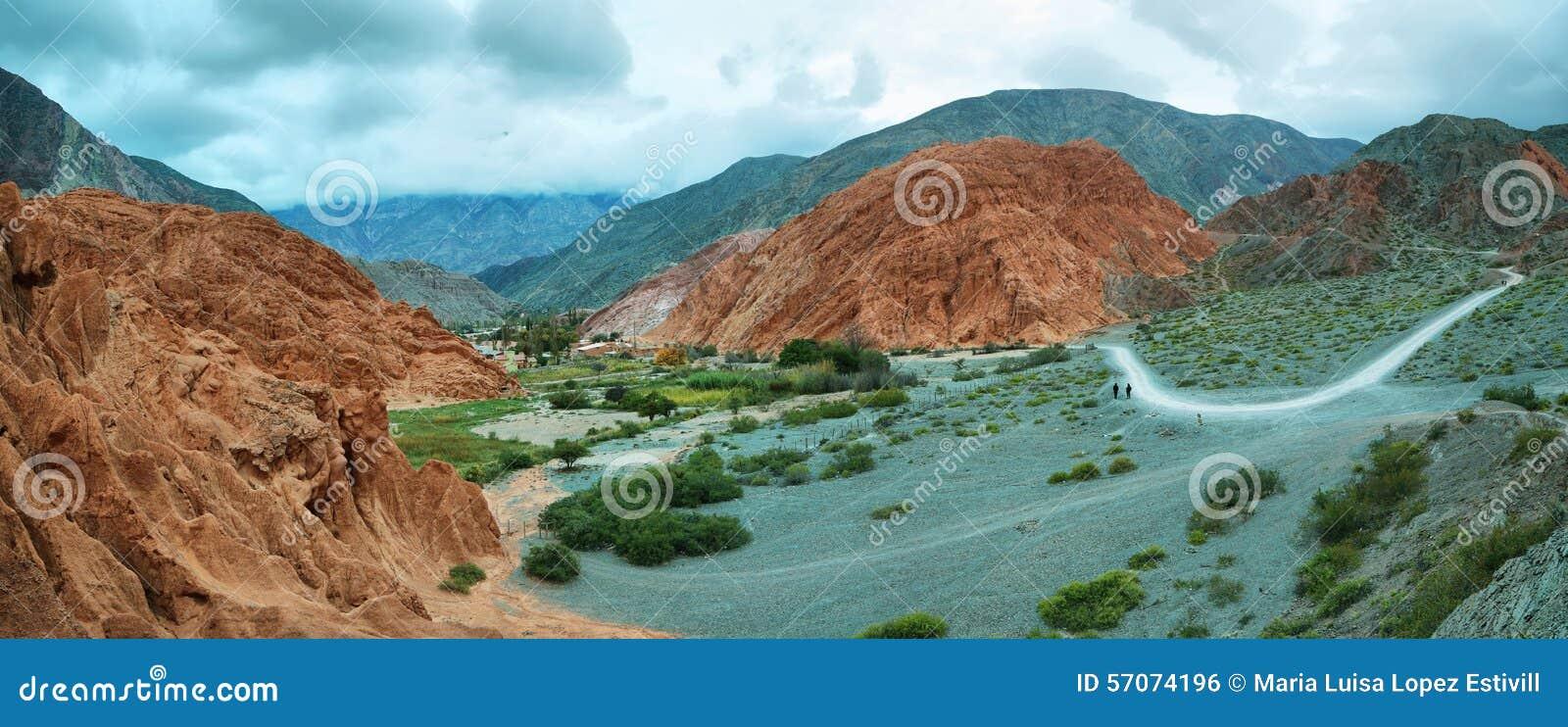 Rood-gekleurde berg in Purmamarca