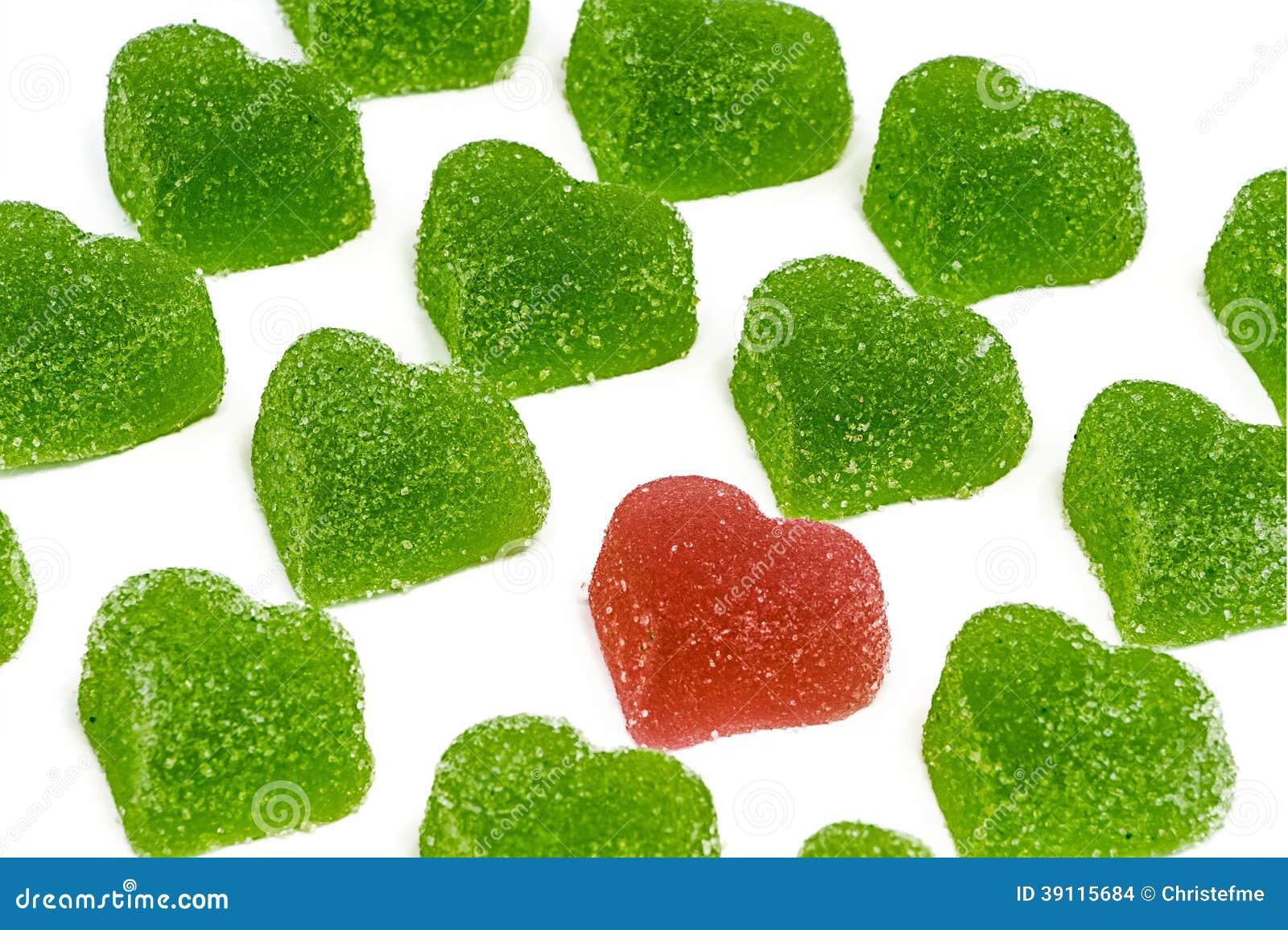 Rood hart in groene harten
