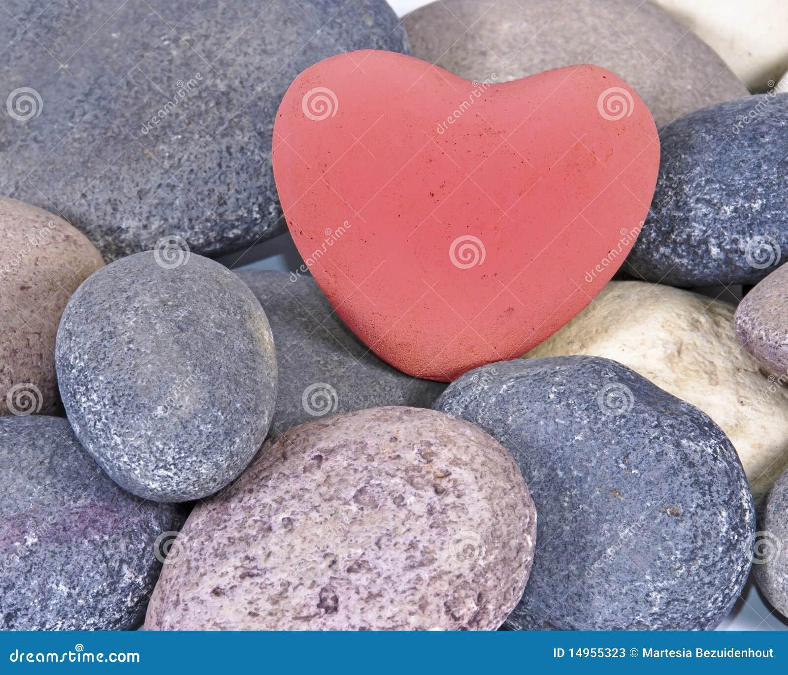 Citaten Hart Van Steen : Rood hart van steen natuurlijke stenen stock afbeelding