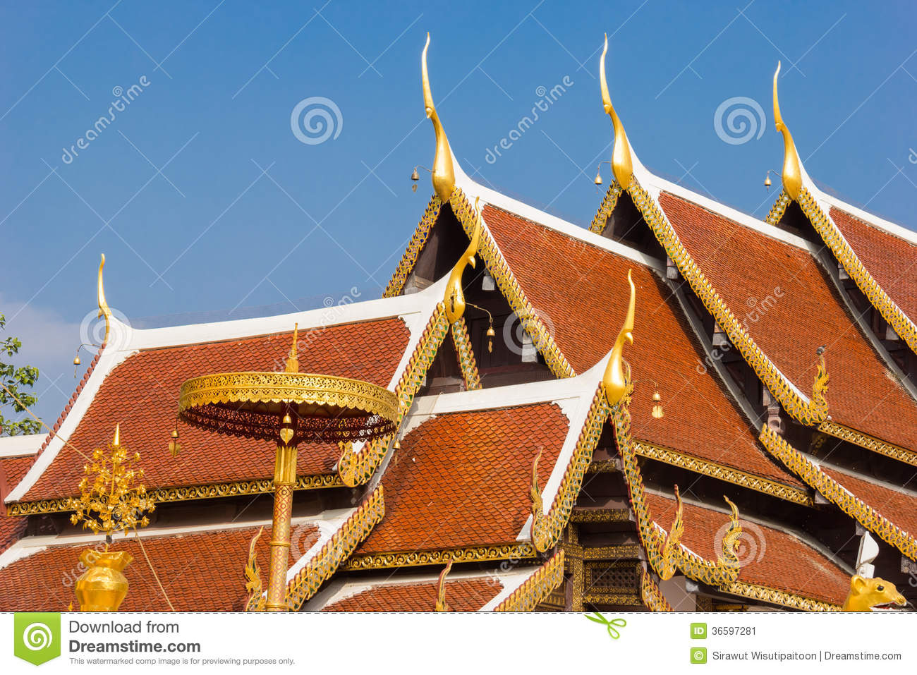 Roof Temple At Wat Phra That Sri Chom Thong Stock Image ...