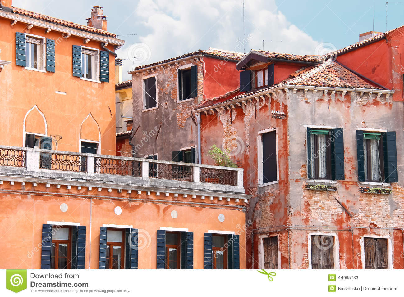 Roof terrace with beautiful italian house venice stock for Italianhouse