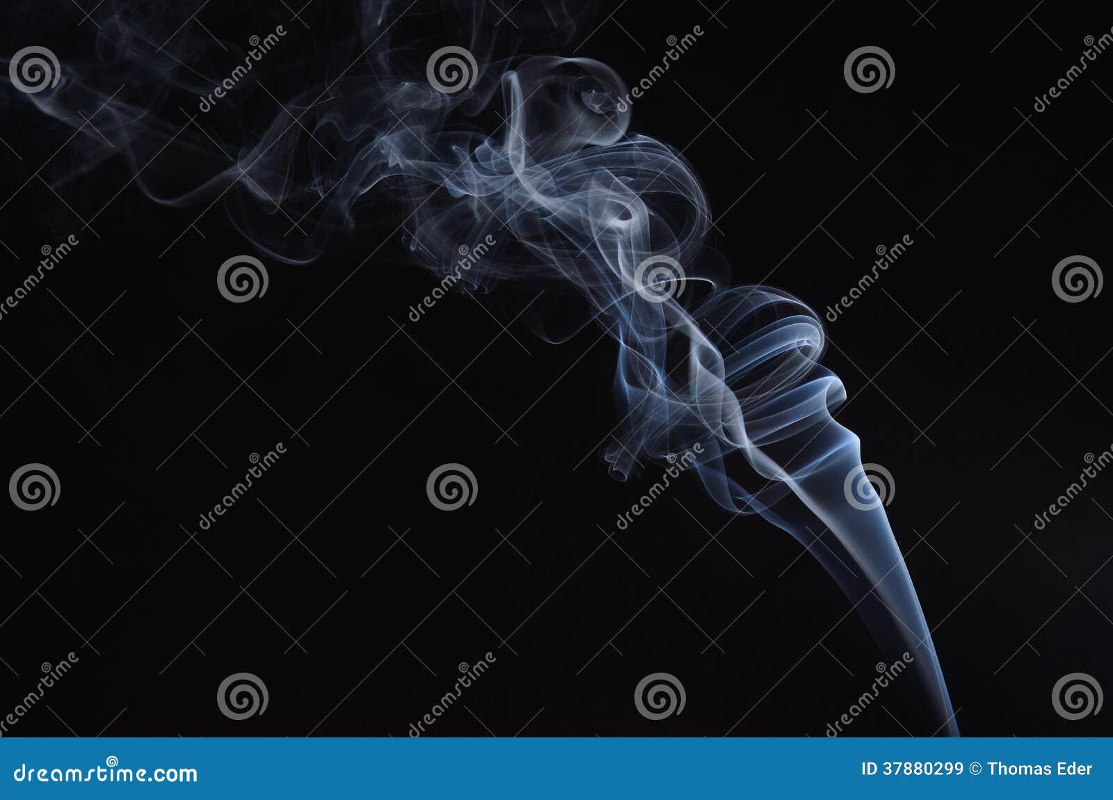 Rook op zwarte