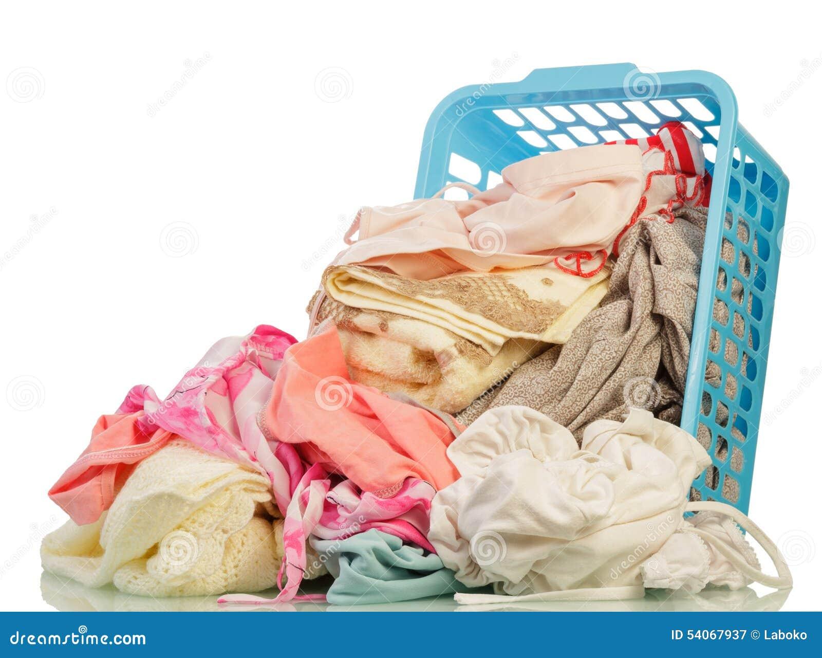 Ropa sucia en cesta foto de archivo imagen 54067937 - Cesta ropa sucia ...