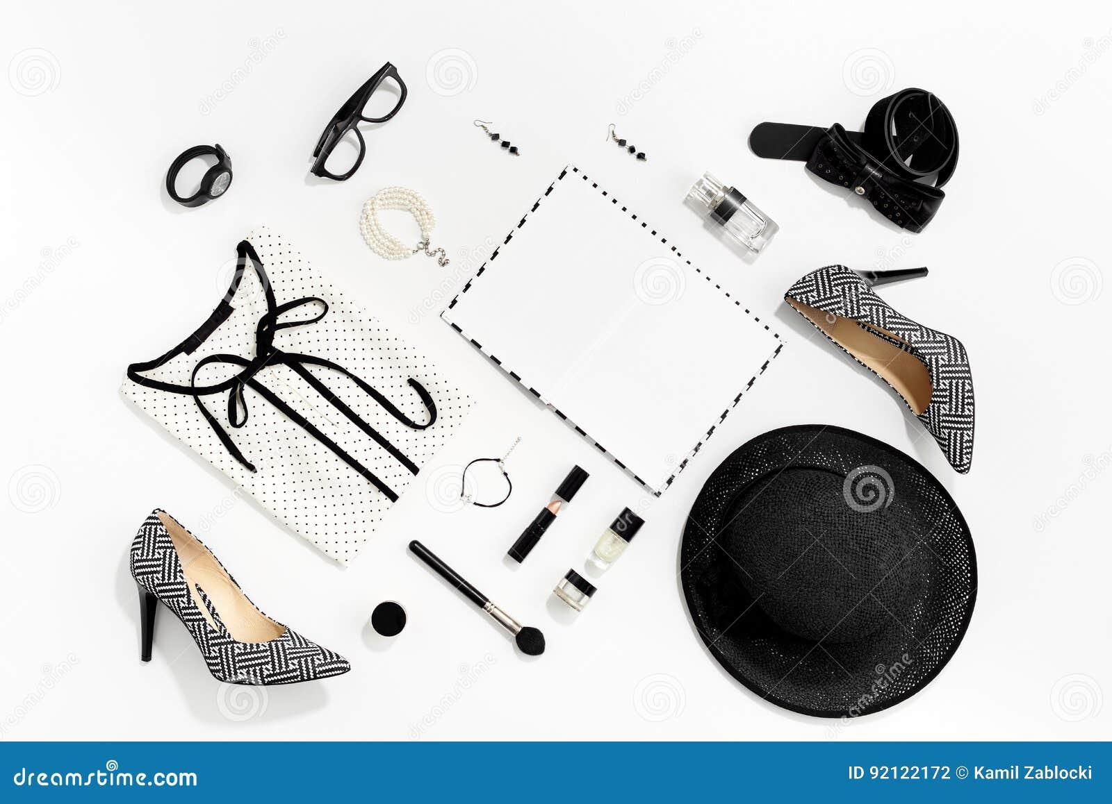 Ropa y accesorios elegantes de las mujeres de la moda blanco y negro