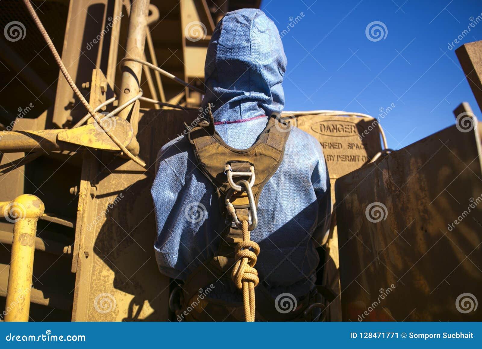 Rope ремни безопасности горнорабочей доступа нося подключая в Karabiner которое прикрепило на веревочке заднюю часть его петли пр