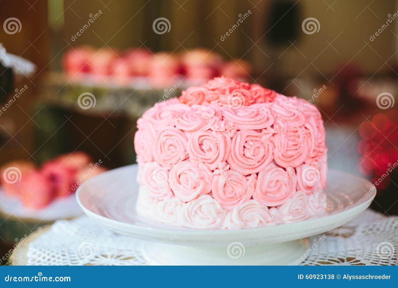 Rosa Hochzeitstorte Rose Ombra C Stockfoto Bild Von Gluttony Blush