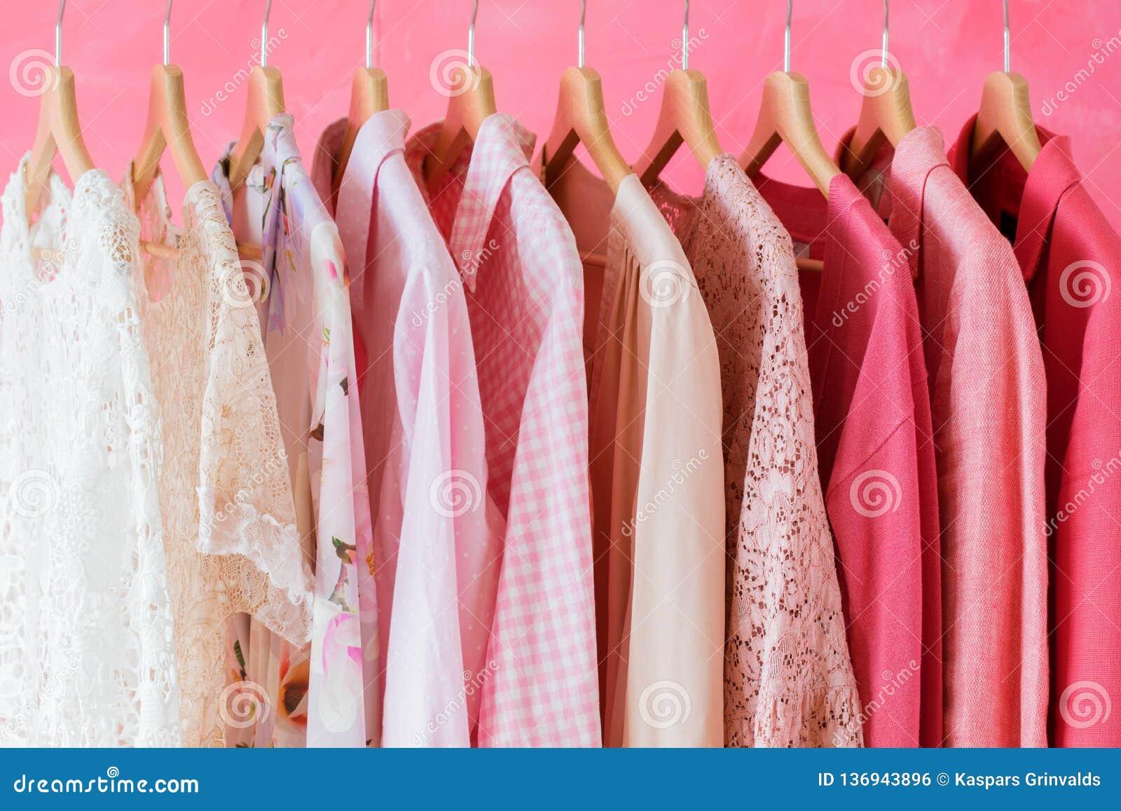 Rosa kulör kvinnakläder