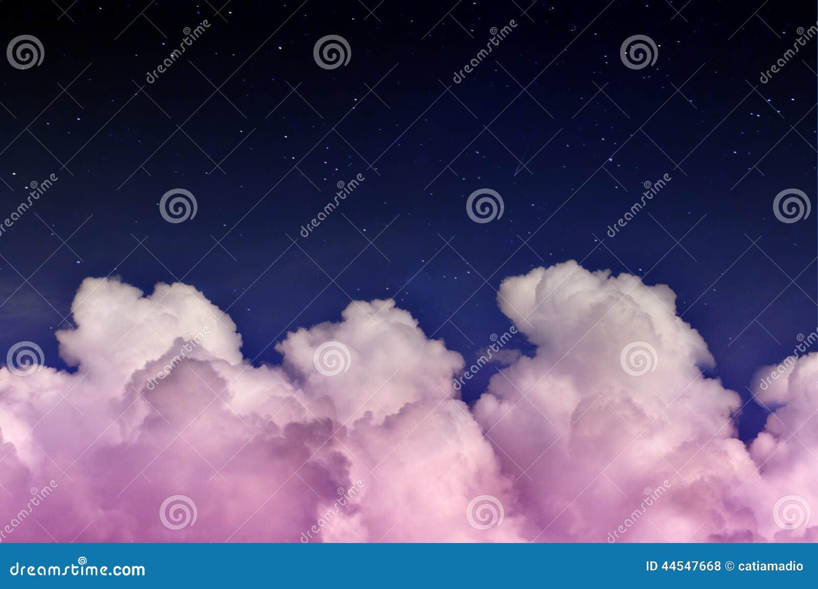 Rosa magische Wolken