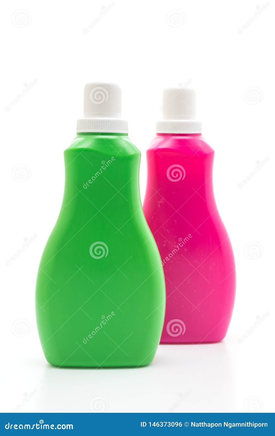 Rosa y botella pl?stica verde para la limpieza l?quida del detergente o del piso en el fondo blanco
