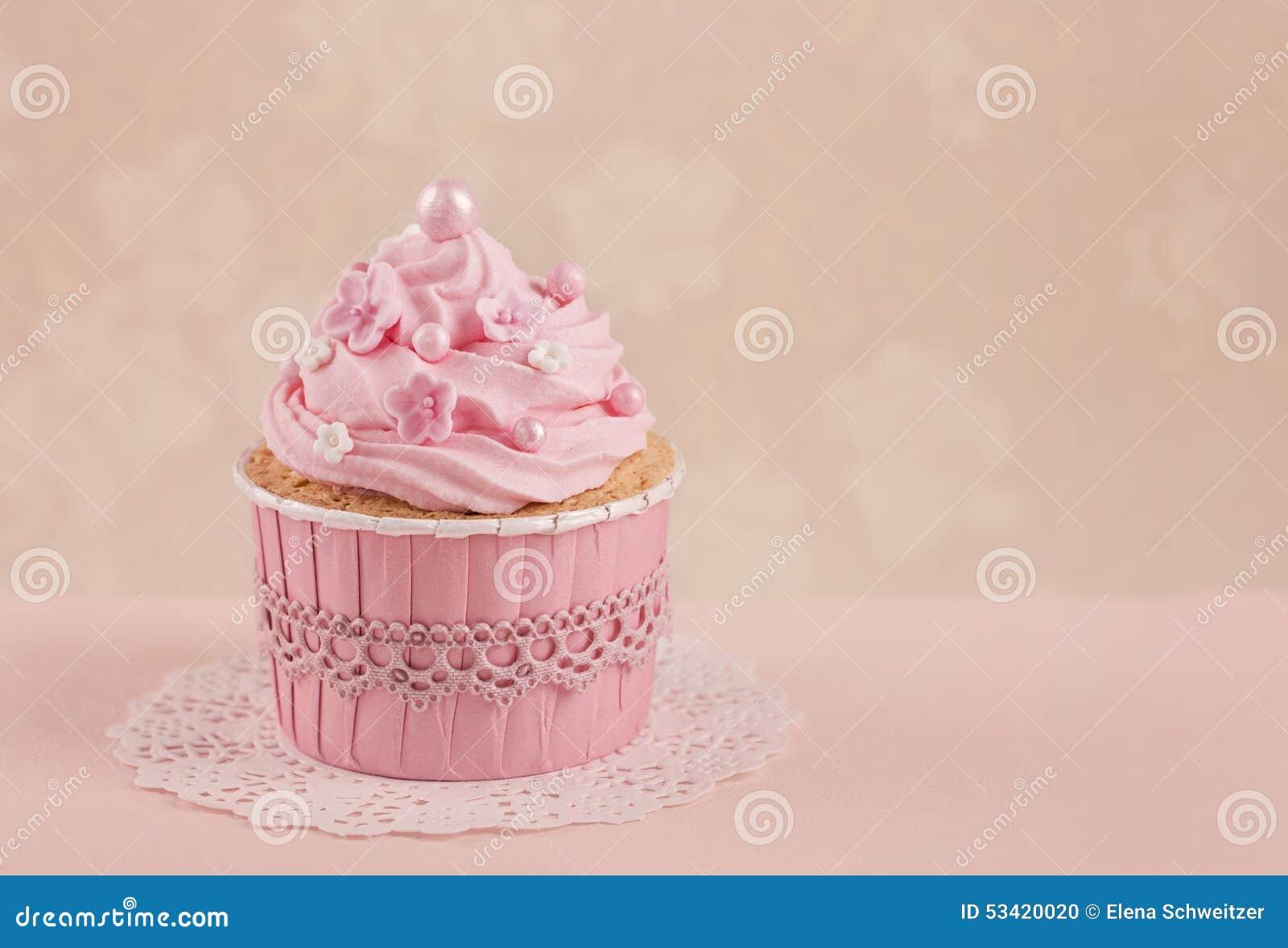 Rosafarbene kleine Kuchen