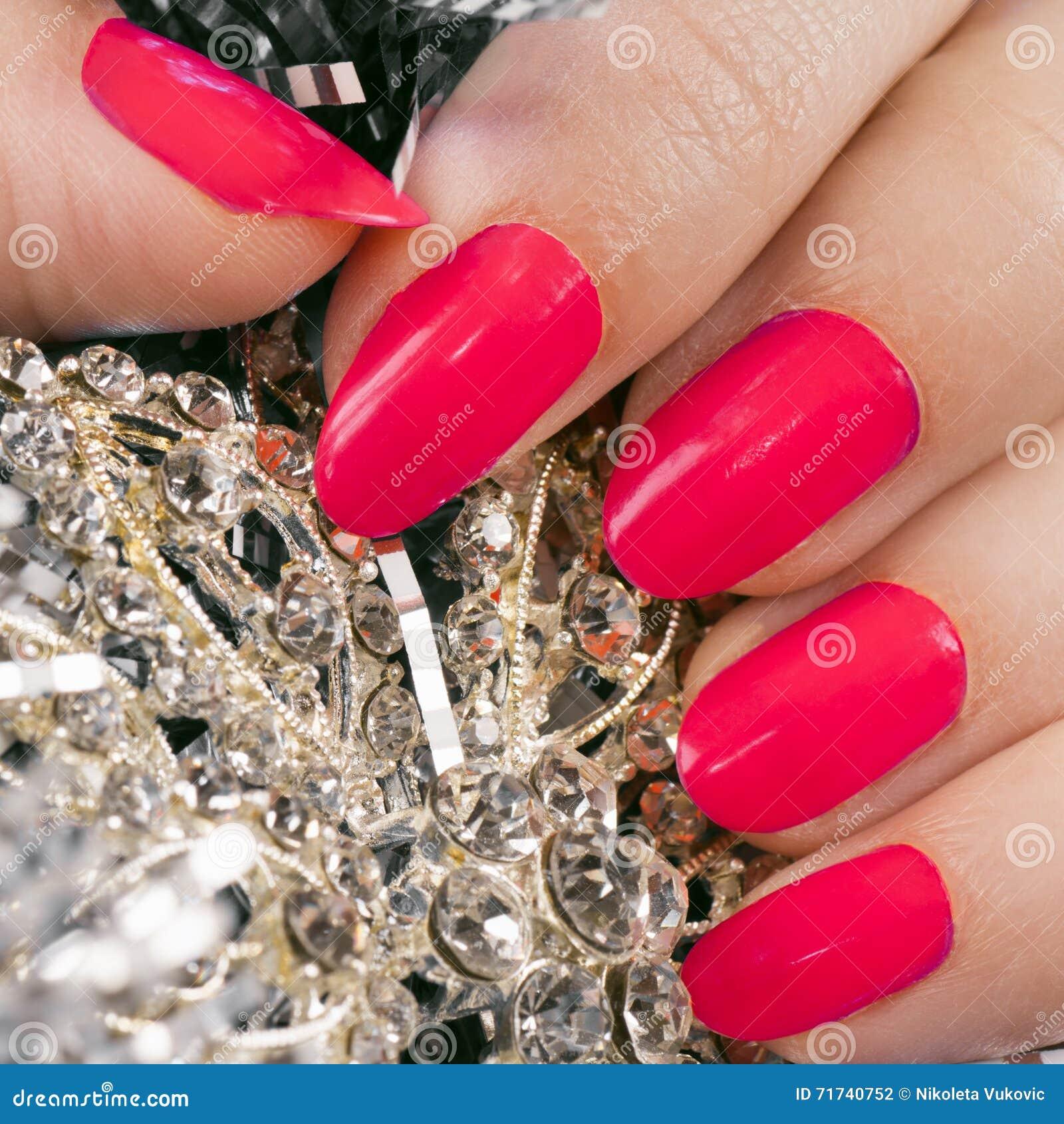 Rosafarbene Nägel Stockfoto Bild Von Hand Frau Beschaffenheit