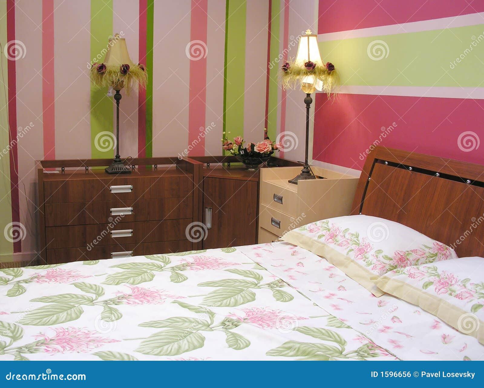 Rosafarbenes Grünes Schlafzimmer Stockfoto - Bild von pink ...
