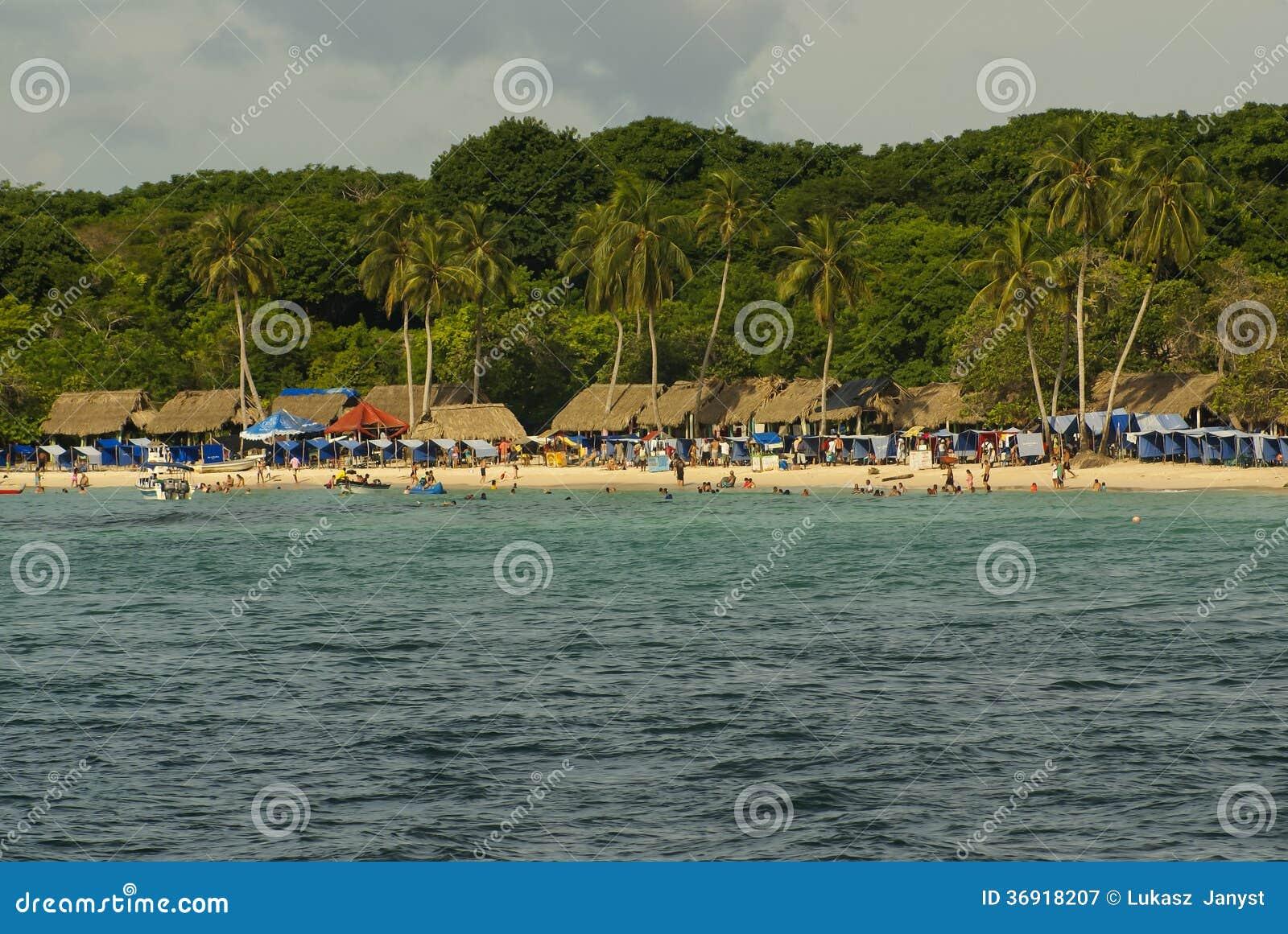 Rosario wyspy są archipelagiem zawierający 27 wysp lokalizować wokoło dwa godziny łodzią od Cartagena De Indias, Kolumbia.