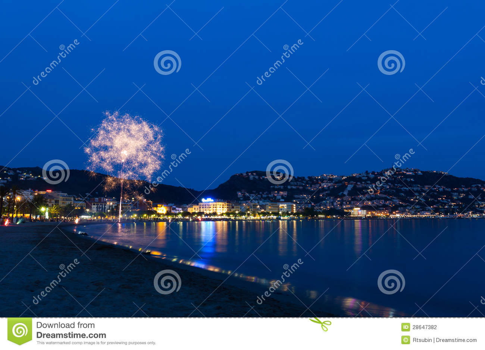 Rosas, fuegos artificiales de Girona