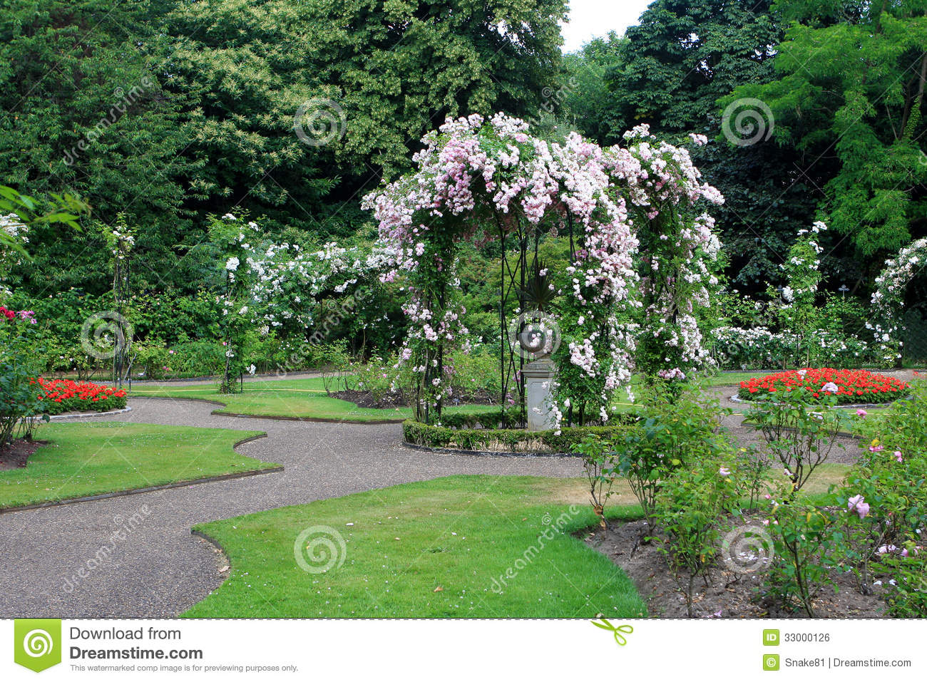 Rose garden at warwick castle stock photo image 33000126 for Gardening 4 you warwick