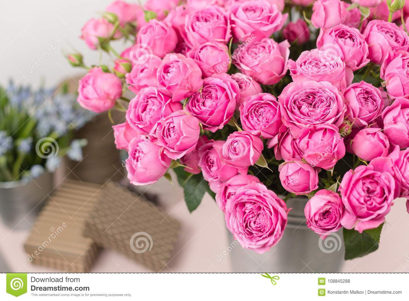 Rose Peony Misty Bubbles Bouquet Flowers Of Pink Roses In Metal