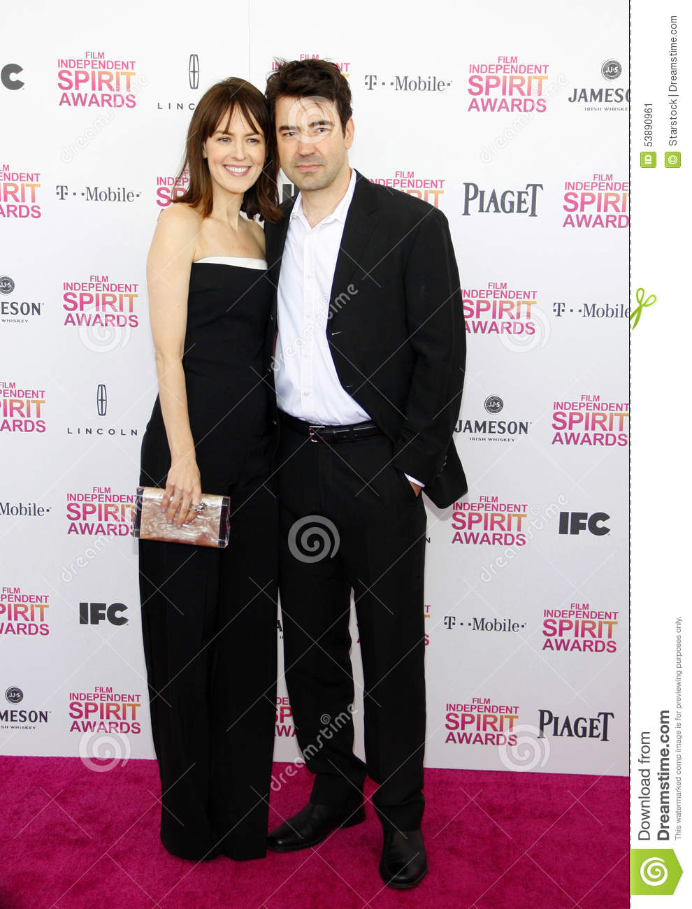 Rosemarie DeWitt y Ron Livingston