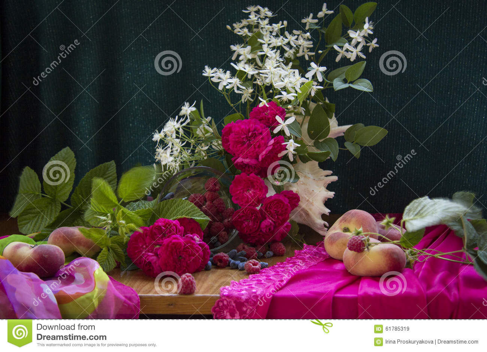 Rosen mit Pfirsichen