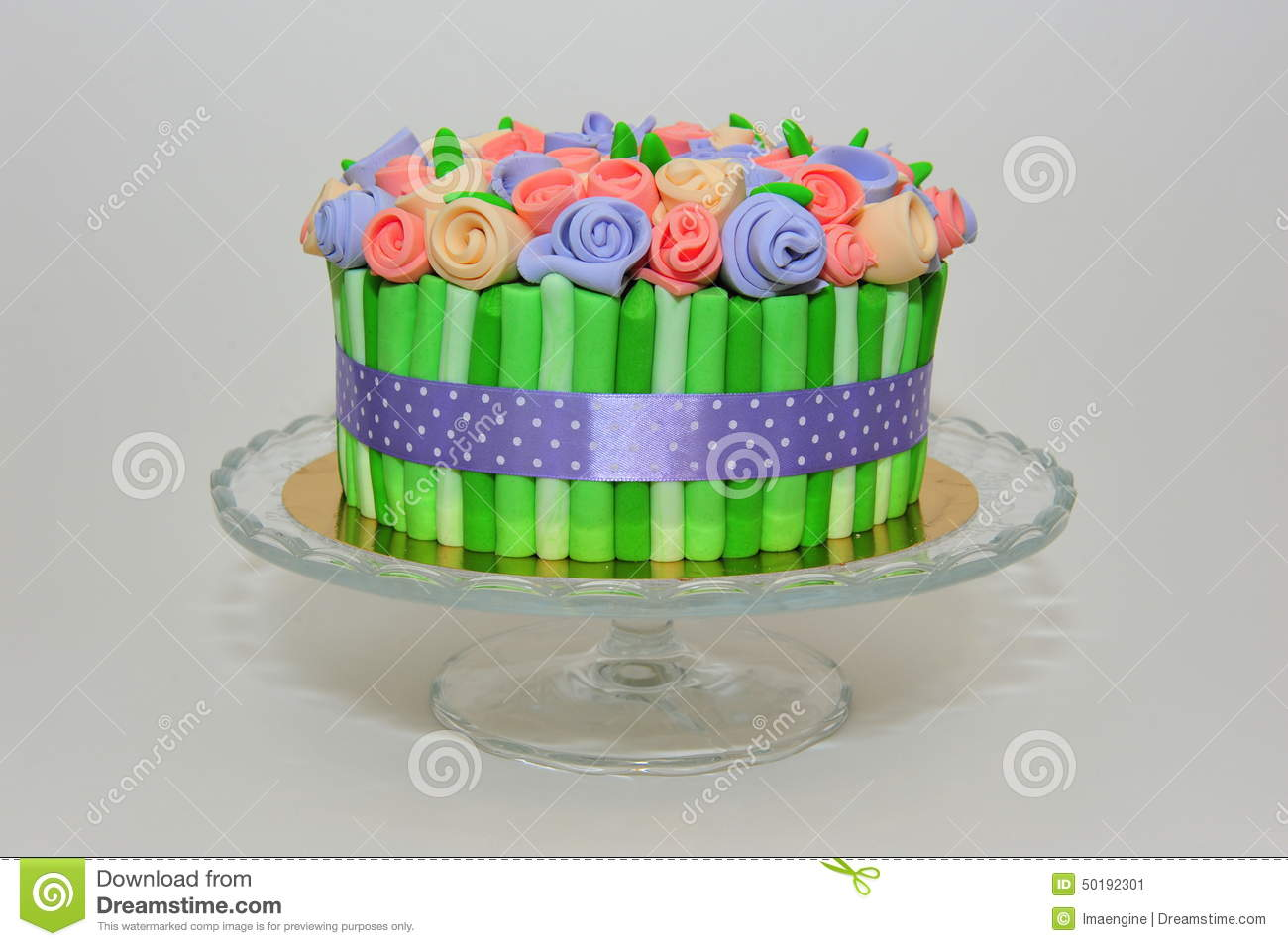 Roses bouquet cake on crystal plate stock image image of roses bouquet cake on crystal plate izmirmasajfo