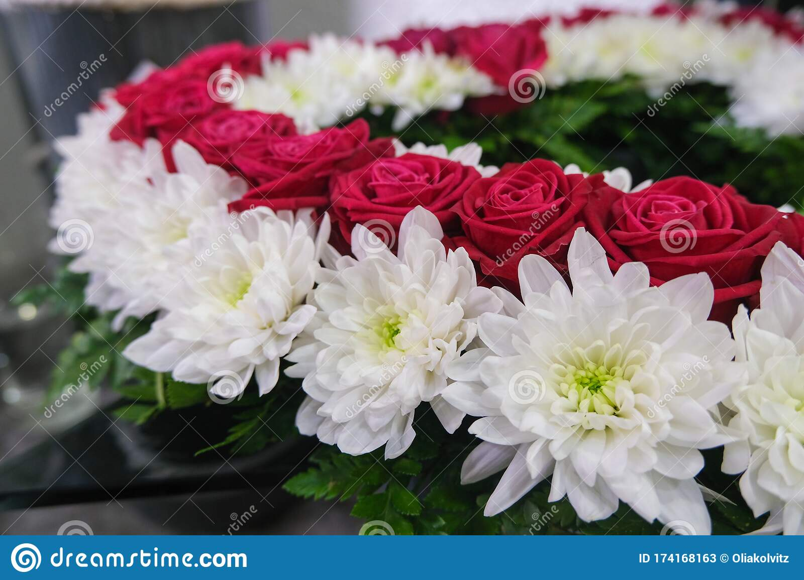 Roses And Chrysanthemum Flowers Arrangement White And Red Roses Small Cute Flowers Stock Image Image Of Gift Florist 174168163