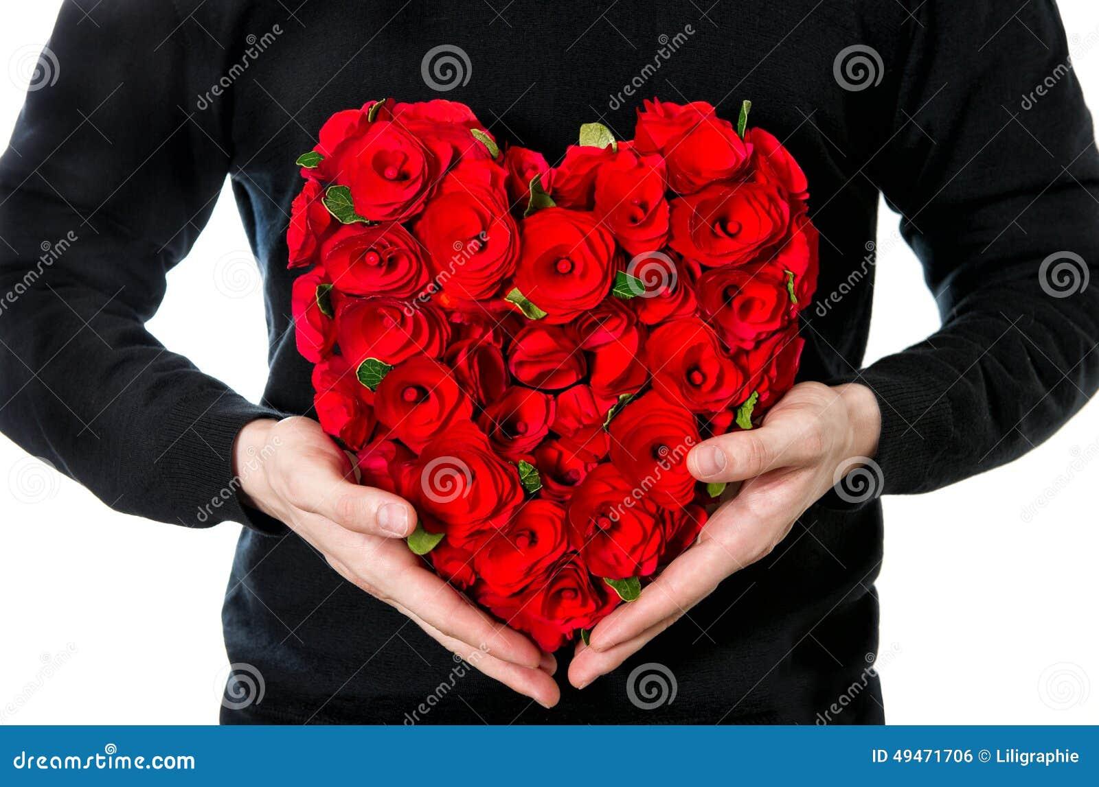 roses rouges bouquet des fleurs dans la forme de coeur photo stock