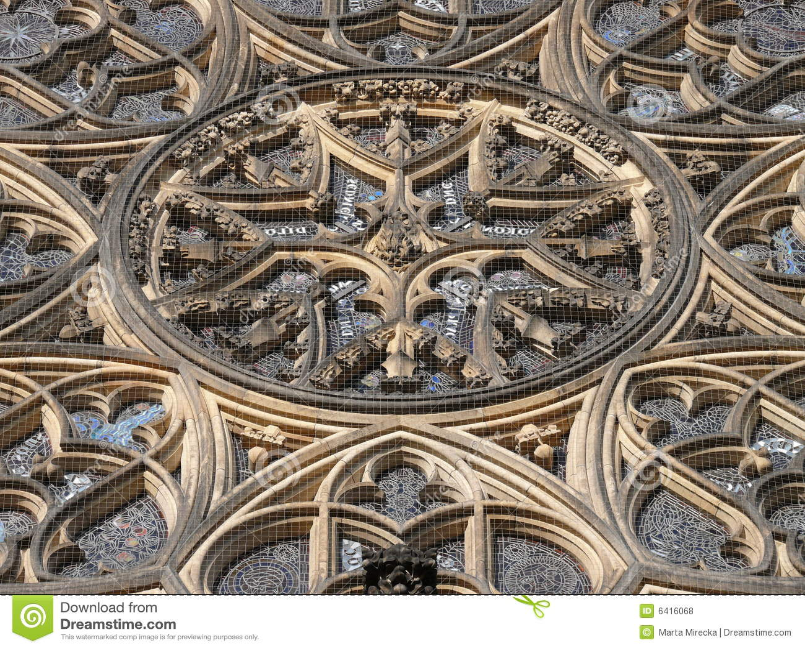 Rosetón de la catedral del St Vitus. Praga