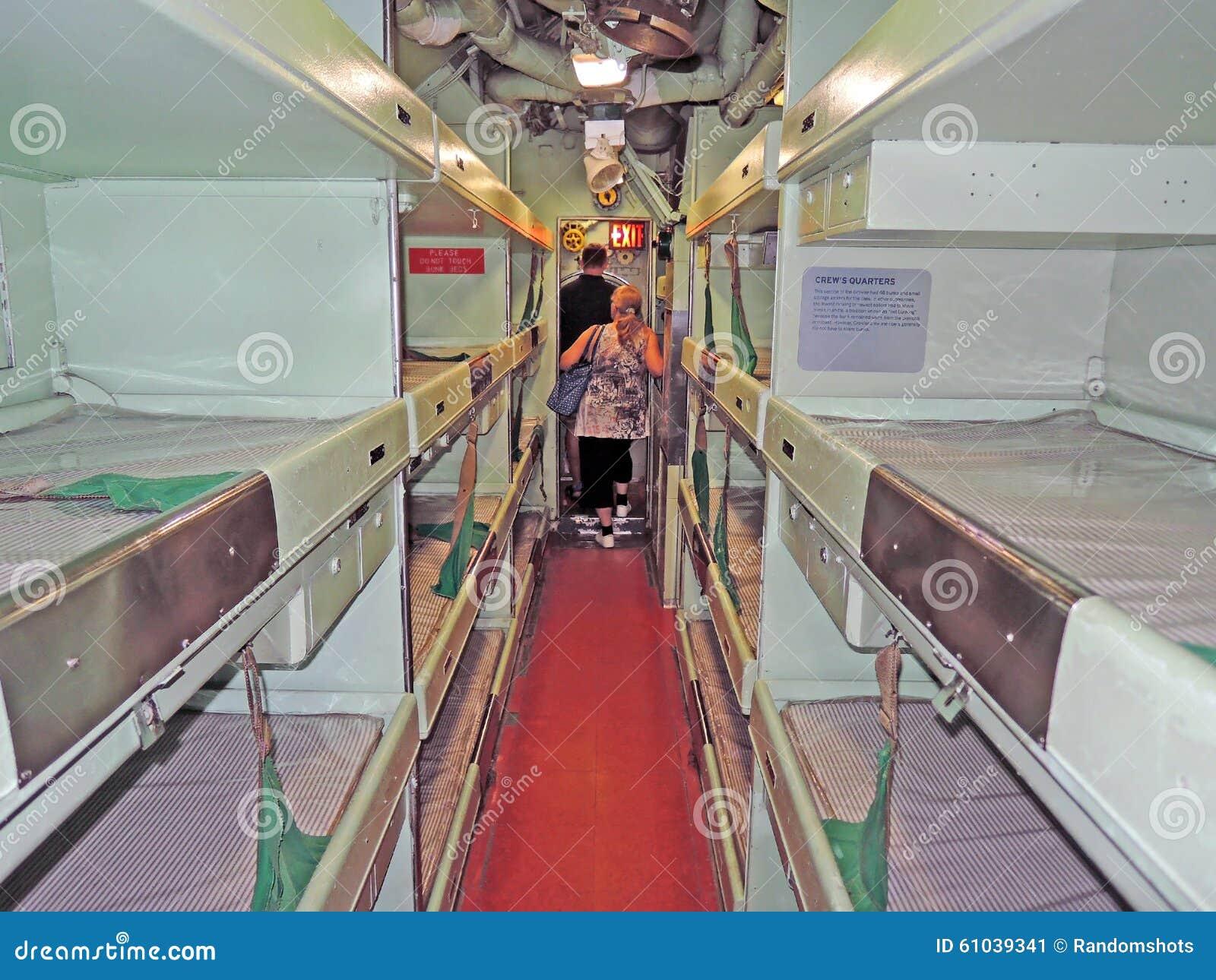 Rosnador de USS: Os quartos de grupo