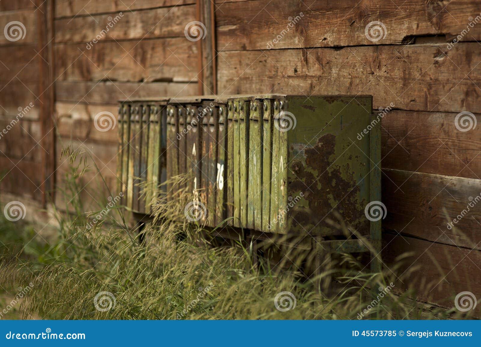 rostige briefk sten stockfoto bild 45573785. Black Bedroom Furniture Sets. Home Design Ideas