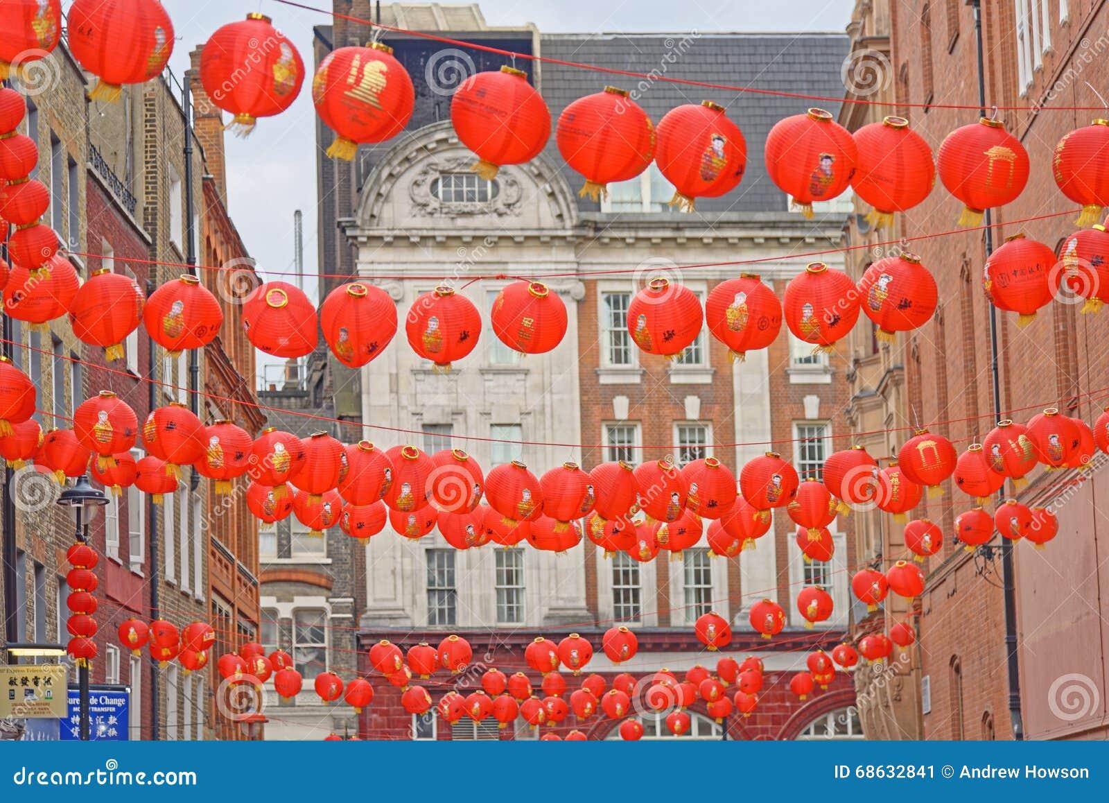 rote chinesische laternen redaktionelles foto bild von europa 68632841. Black Bedroom Furniture Sets. Home Design Ideas