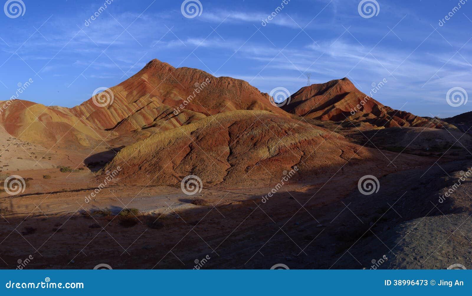 Rote Felsen und blauer Himmel