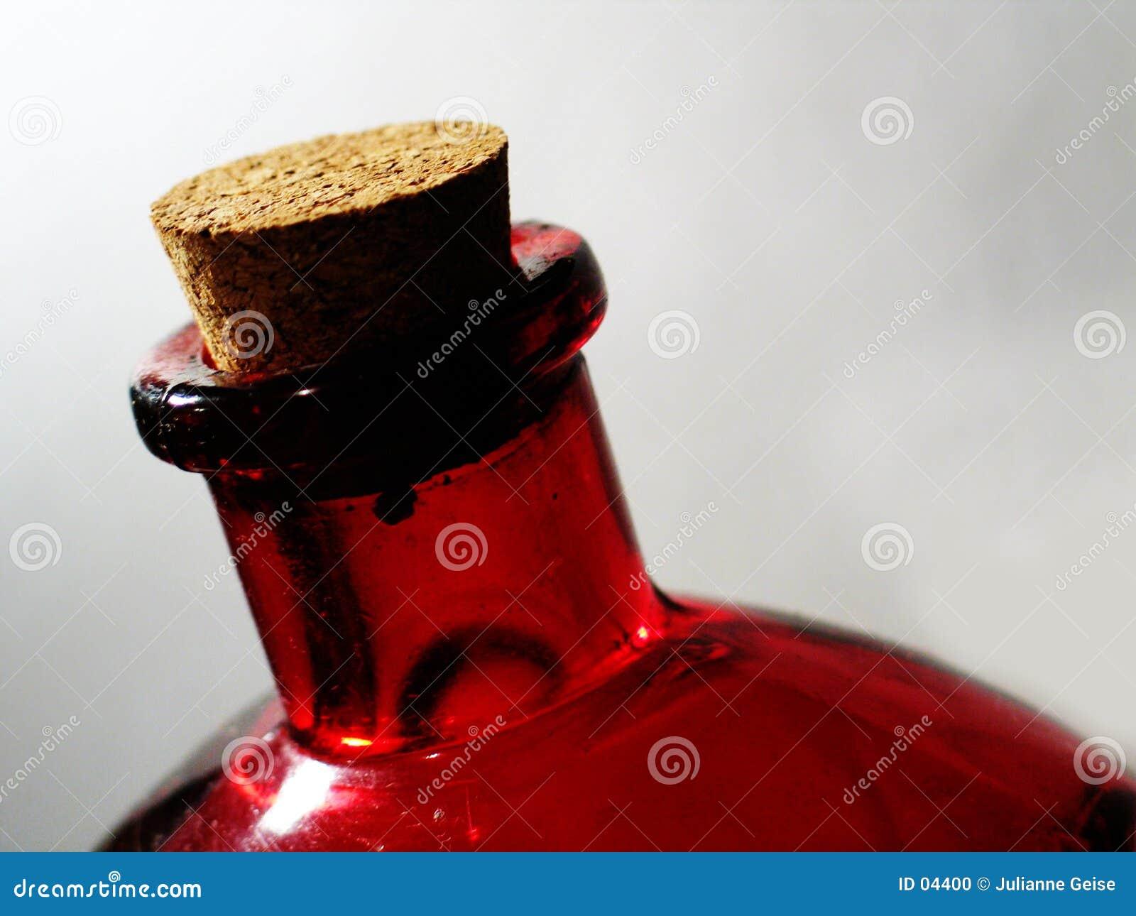 Rote Glasflasche