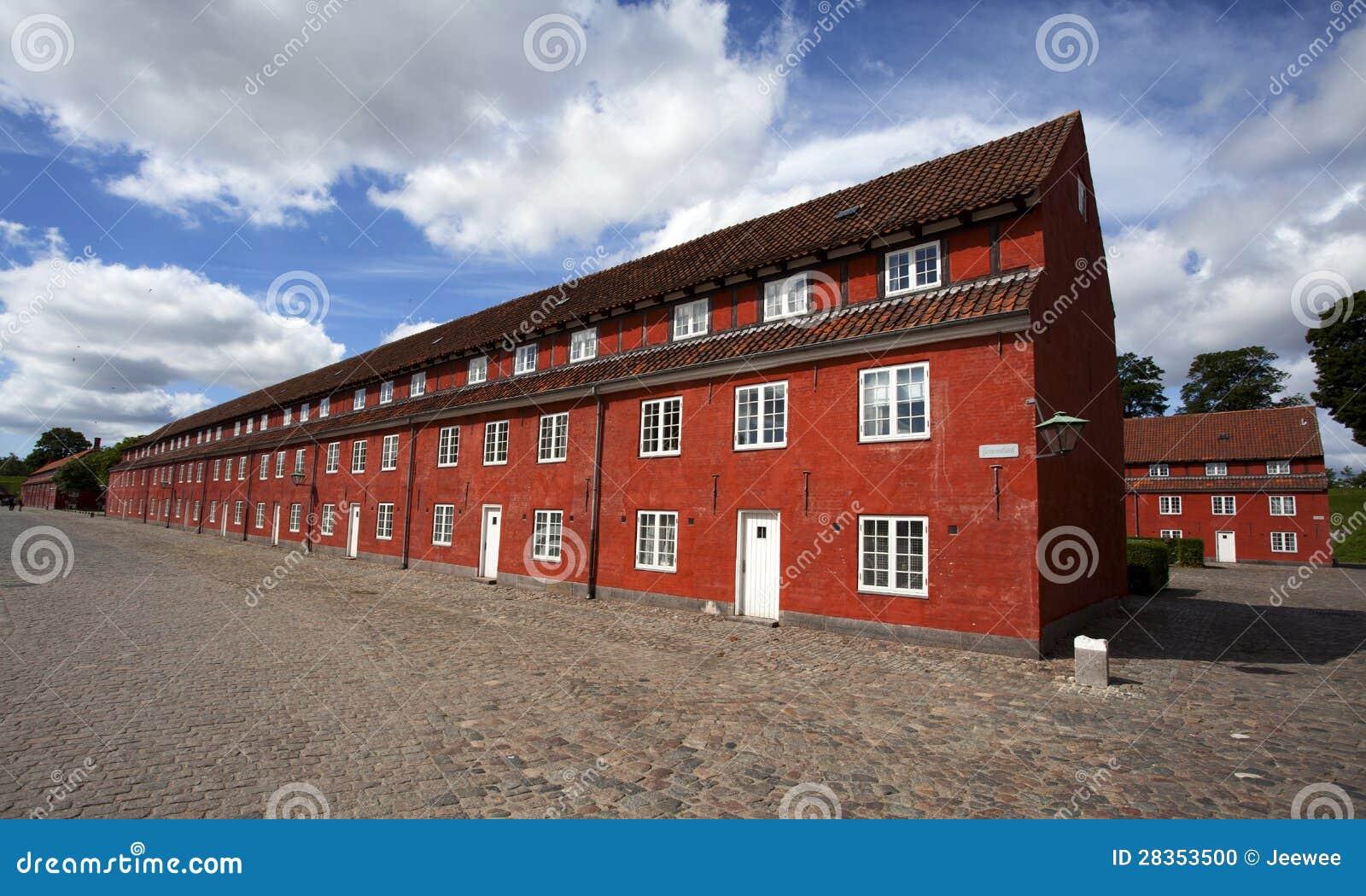 rote h user in der kastellet festung in kopenhagen d nemark stockfoto bild 28353500. Black Bedroom Furniture Sets. Home Design Ideas