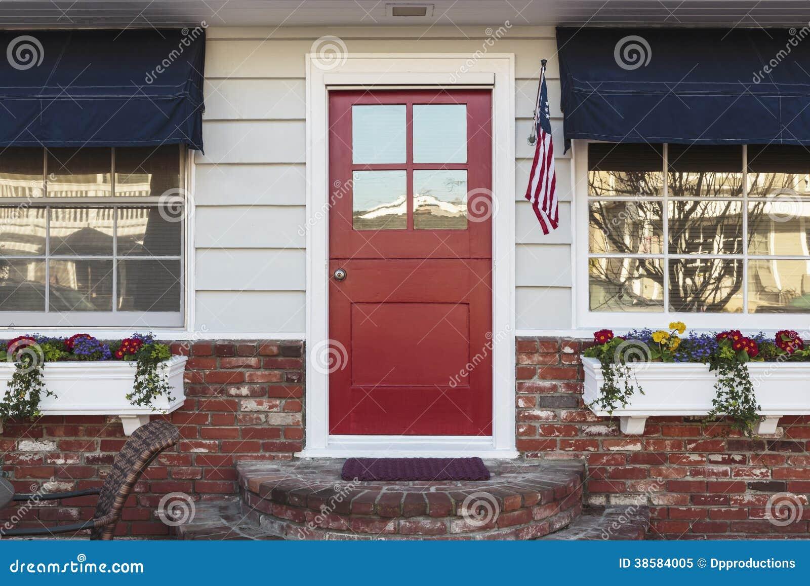 Rote Haustur Eines Amerikanischen Hauses Stockbild Bild Von