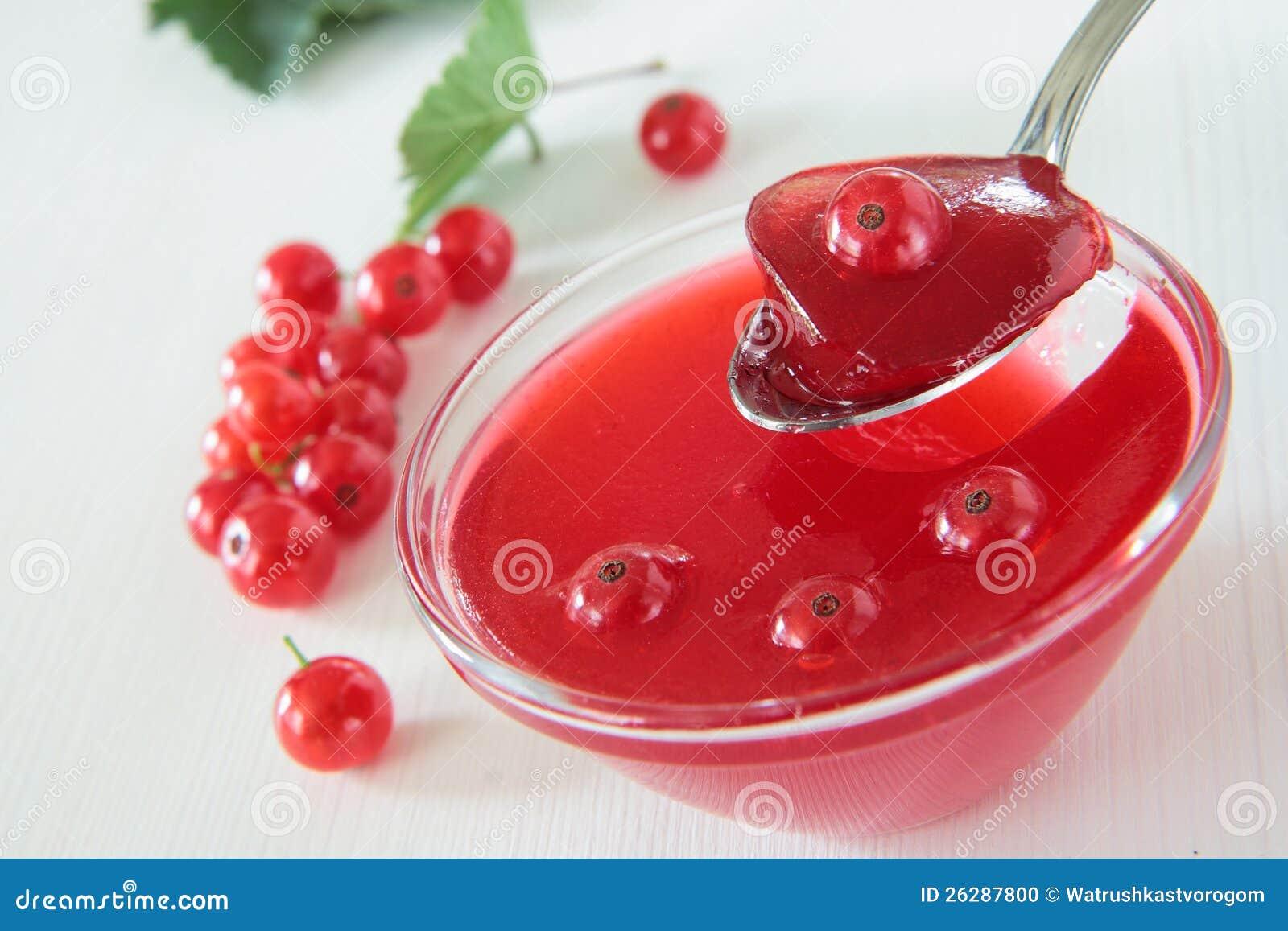 Rote Johannisbeergelee Mit Beeren Stockfoto Bild Von Niemand