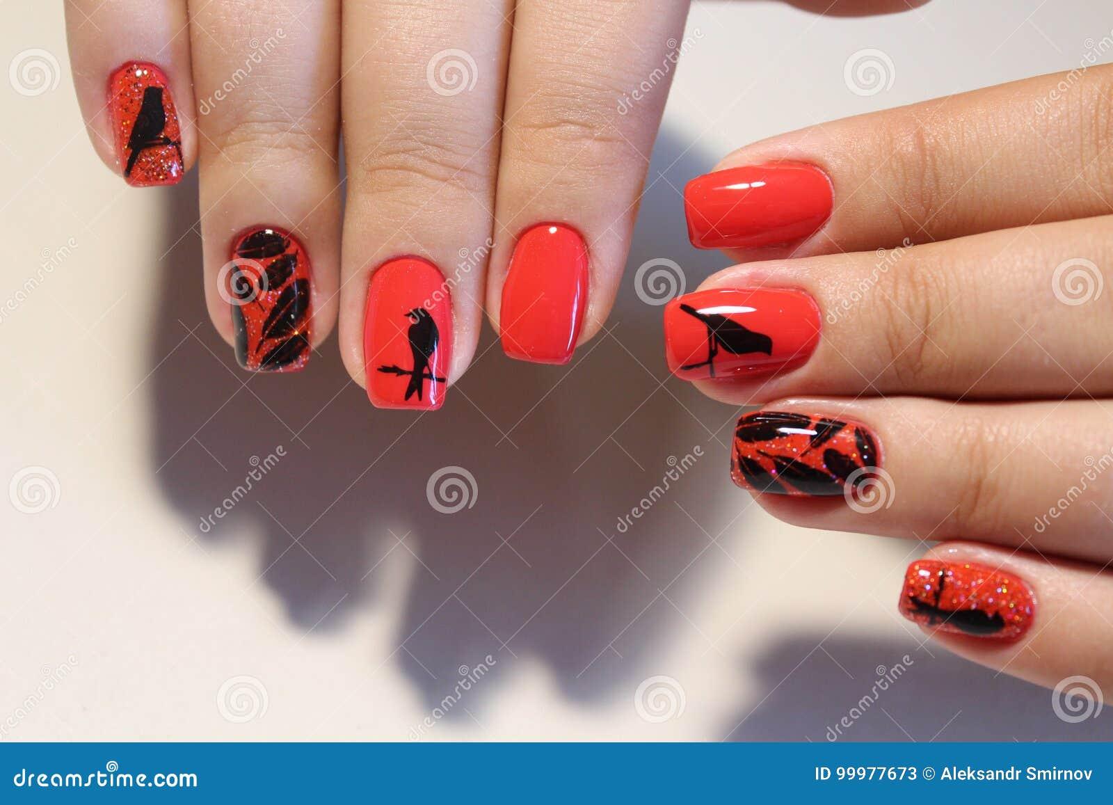 Cool Nägel Muster Foto Von Pattern Rote Nägel Des Maniküredesigns Mit Stockbild