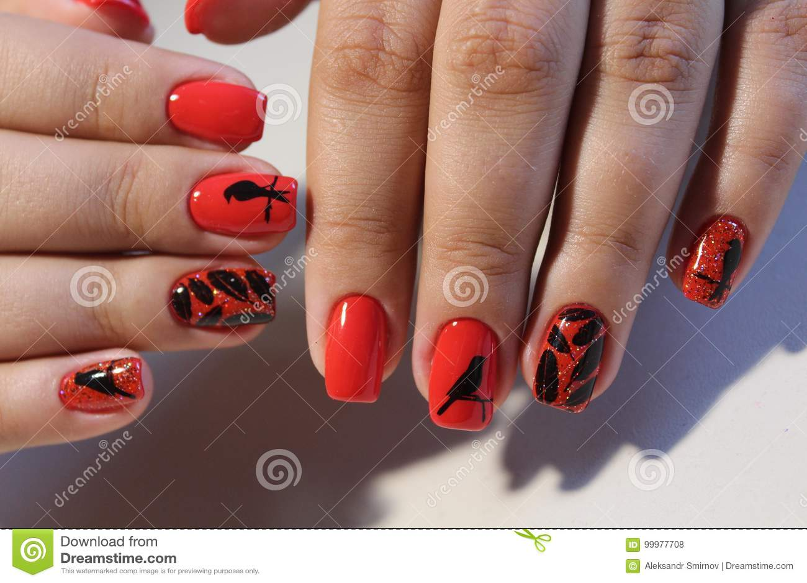Erstaunlich Nägel Muster Referenz Von Pattern Rote Nägel Des Maniküredesigns Mit Stockfoto