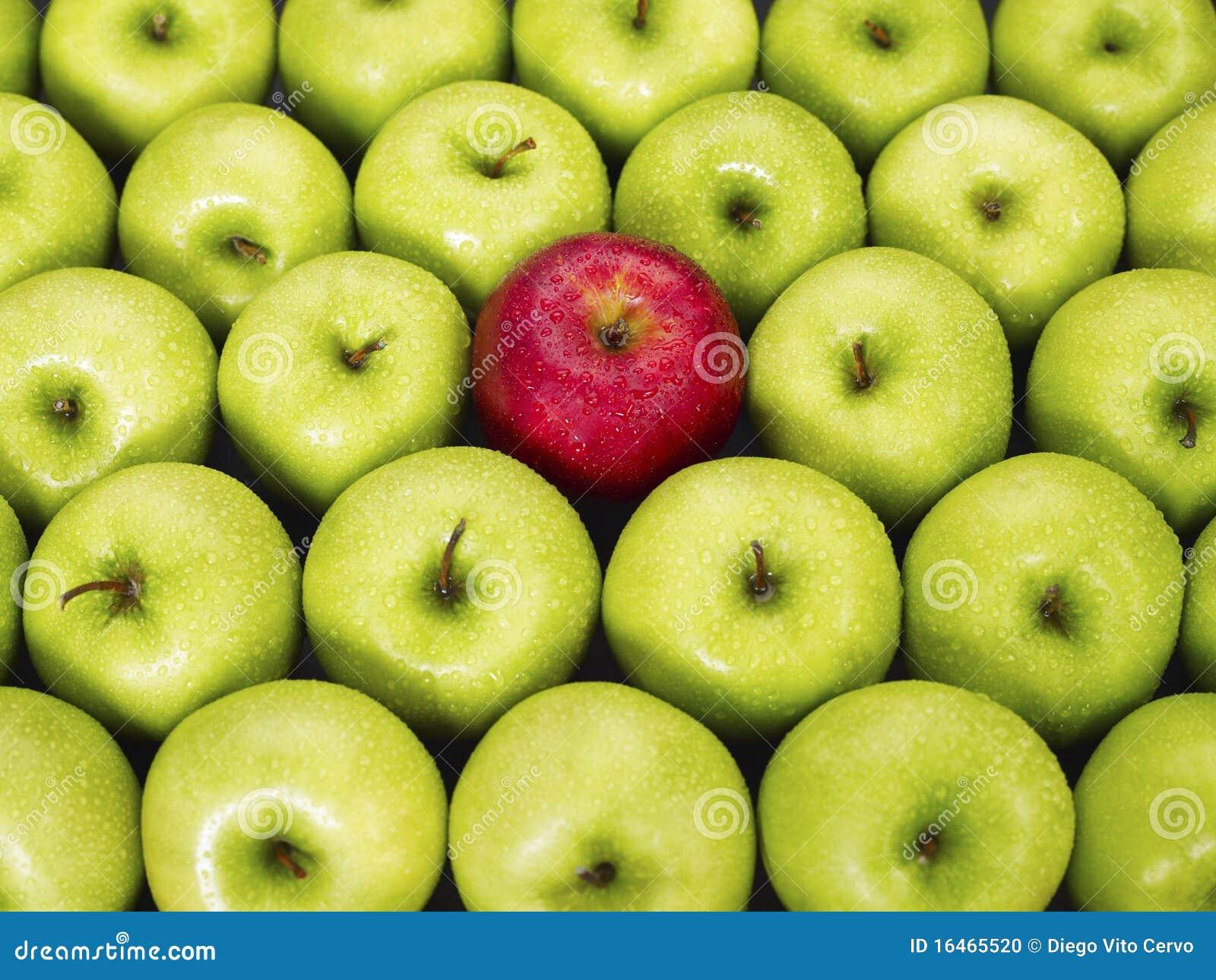 Rote und grüne Äpfel