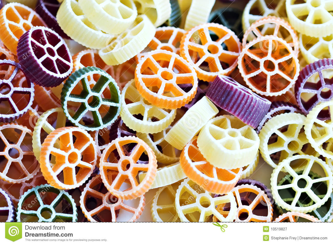 Rotelle Pasta http://www.dreamstime.com/royalty-free-stock-photography ...