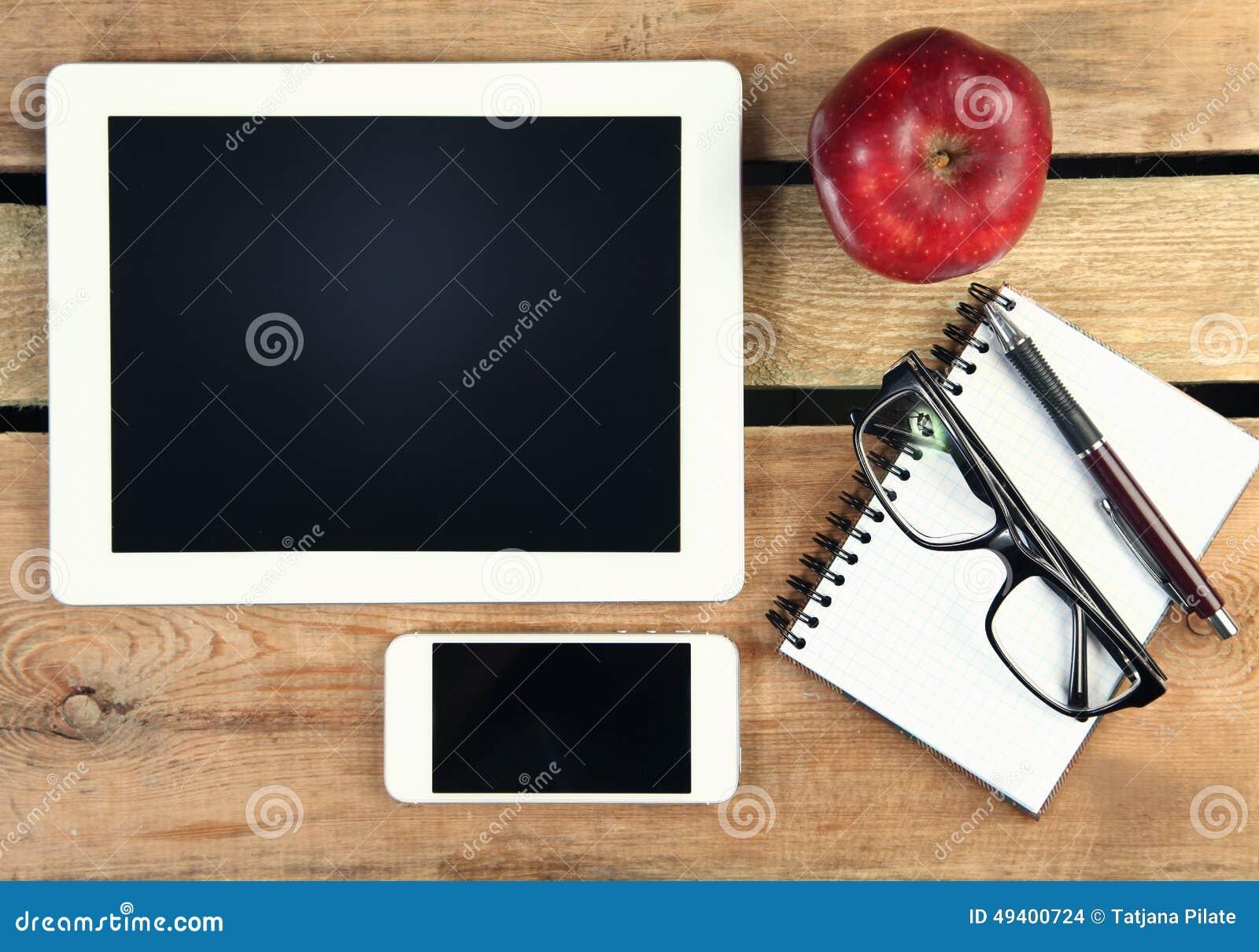Download Roter Apfel stockfoto. Bild von digital, spindel, feder - 49400724