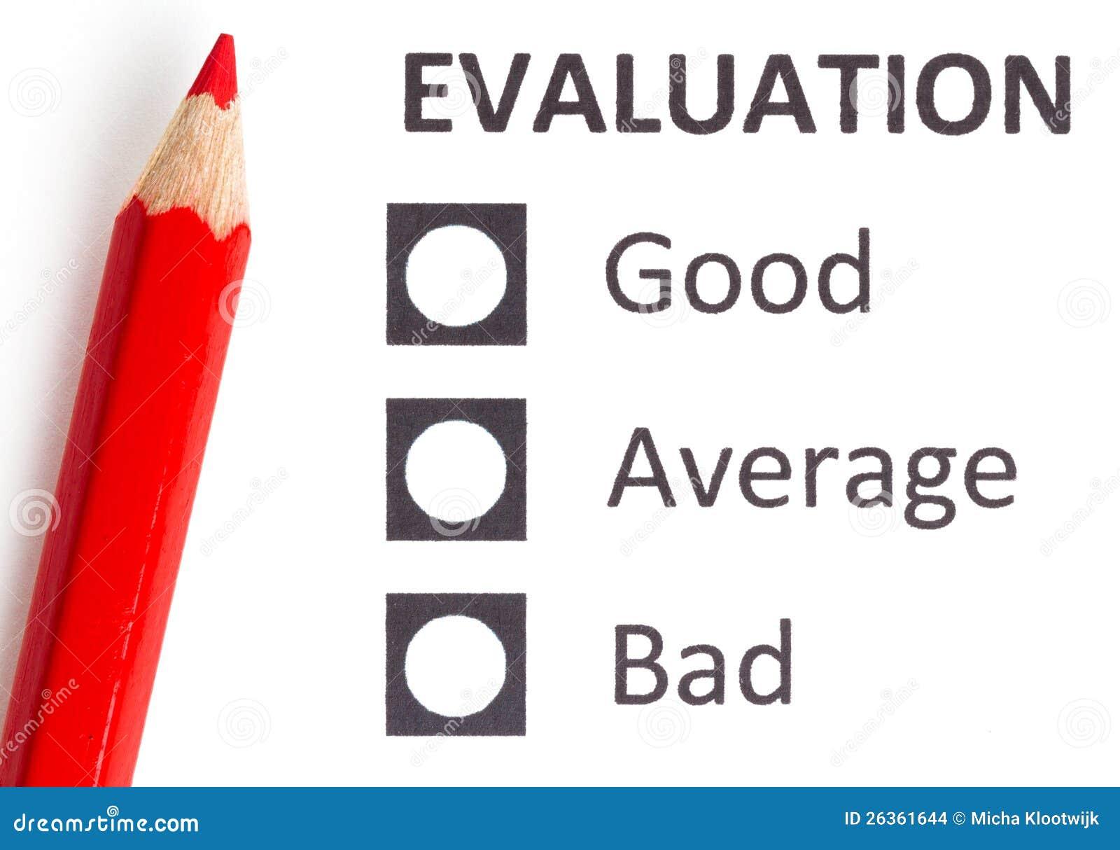 Roter Bleistift auf einem evaluationform