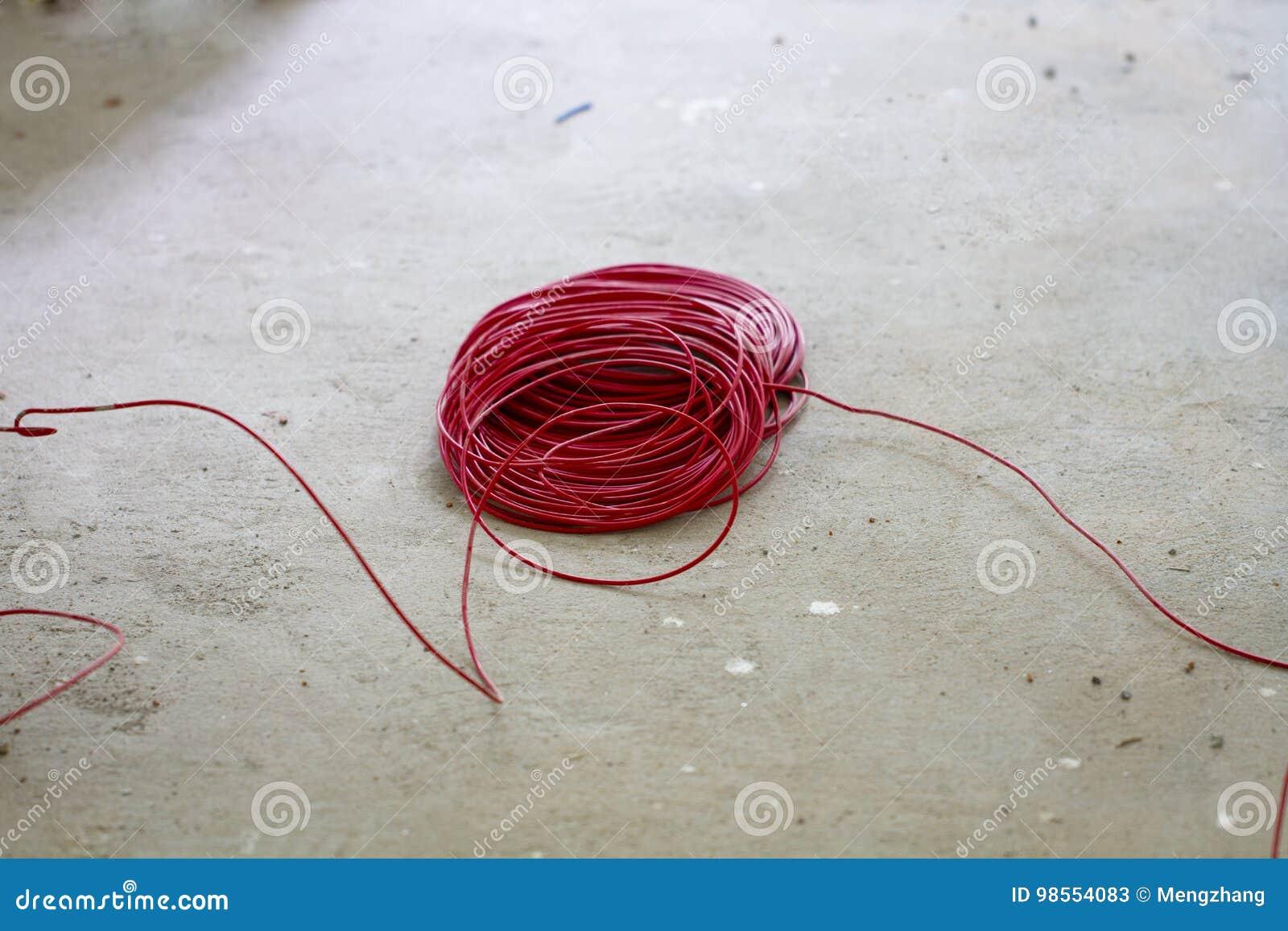 Erfreut Roter Elektrischer Draht Fotos - Der Schaltplan - triangre.info