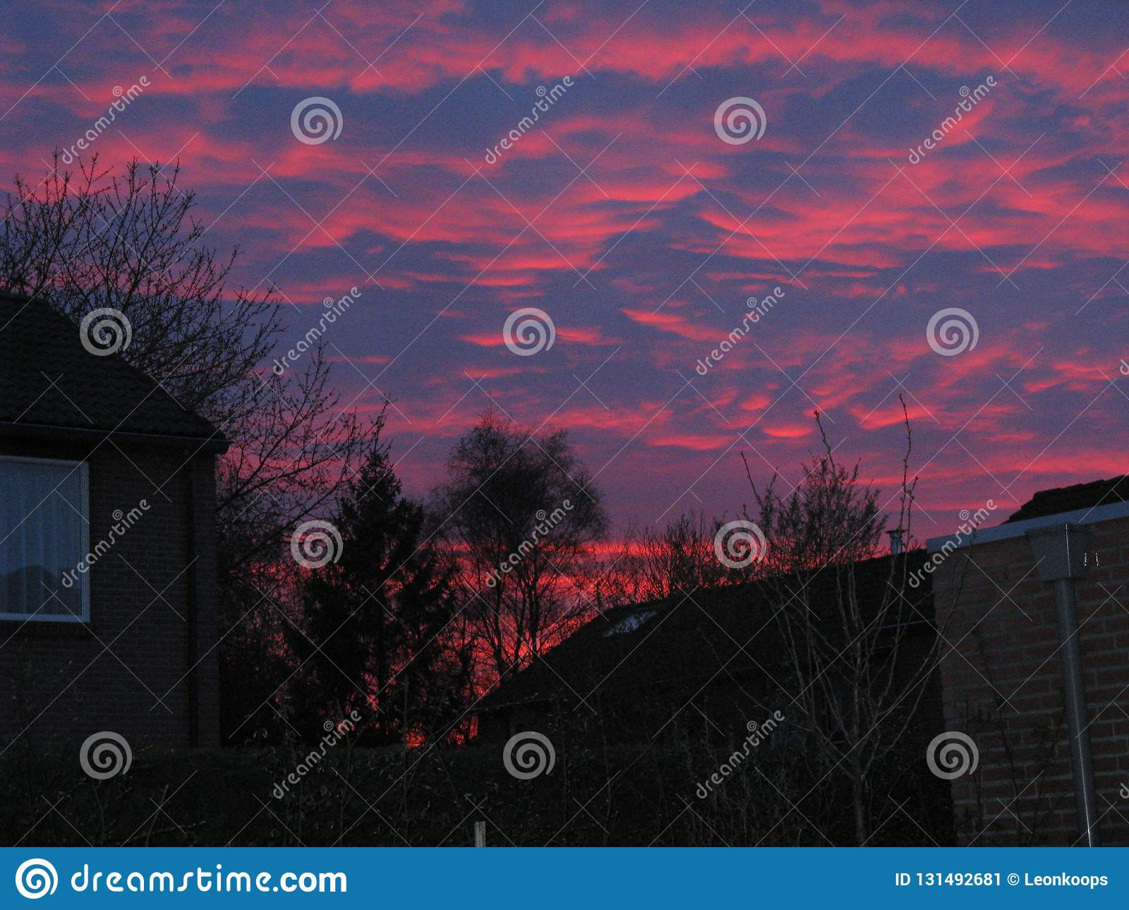 Roter Himmel in den Niederlanden