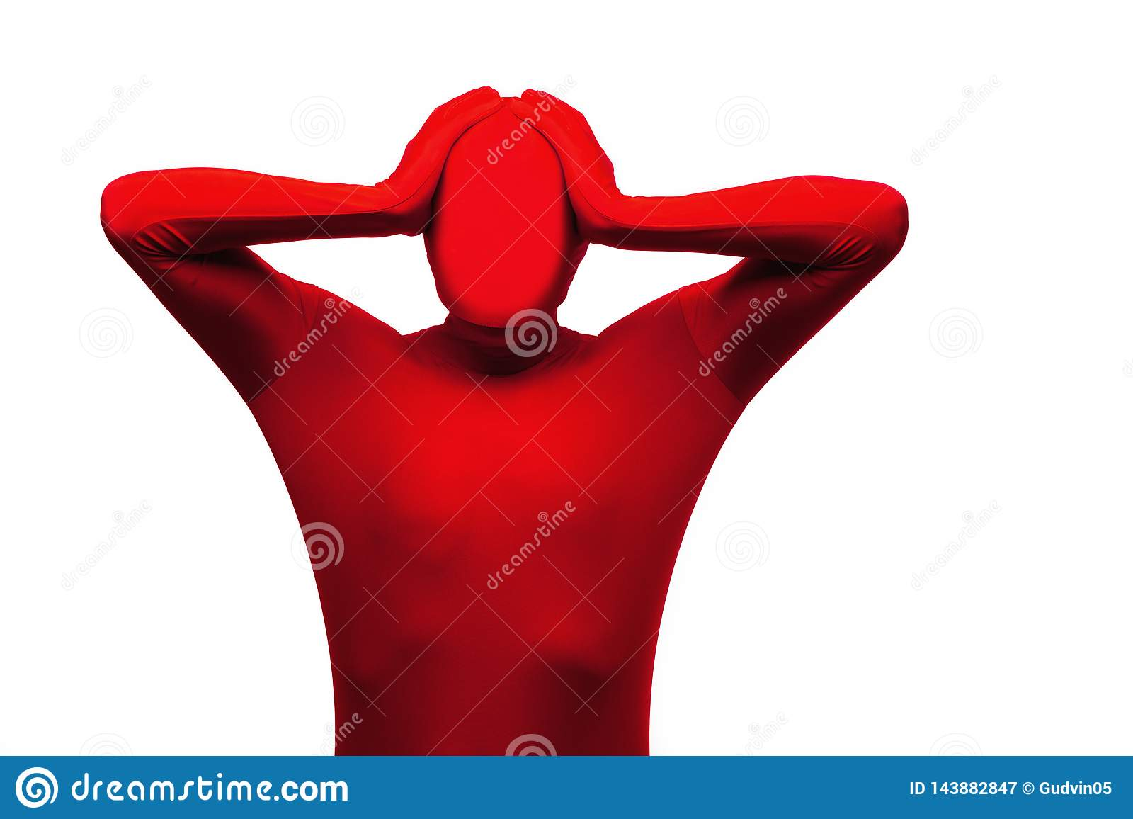 Roter Mann hält sein Kopf-, Druck-, Kopfschmerzen- und Frustrationskonzept Lokalisiert auf Weiß