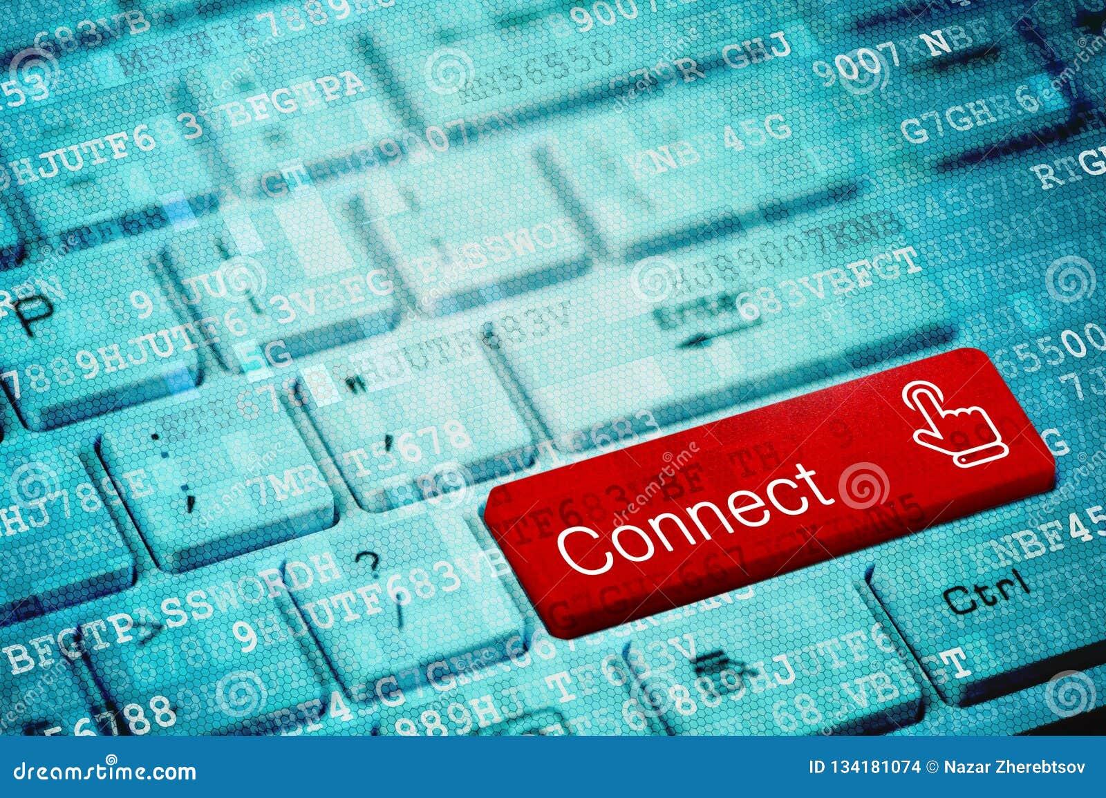 Roter Schlüssel mit Text schließen auf blauer digitaler Laptoptastatur an