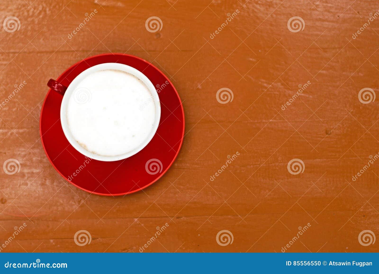 Roter Tasse Kaffee für Hintergrund