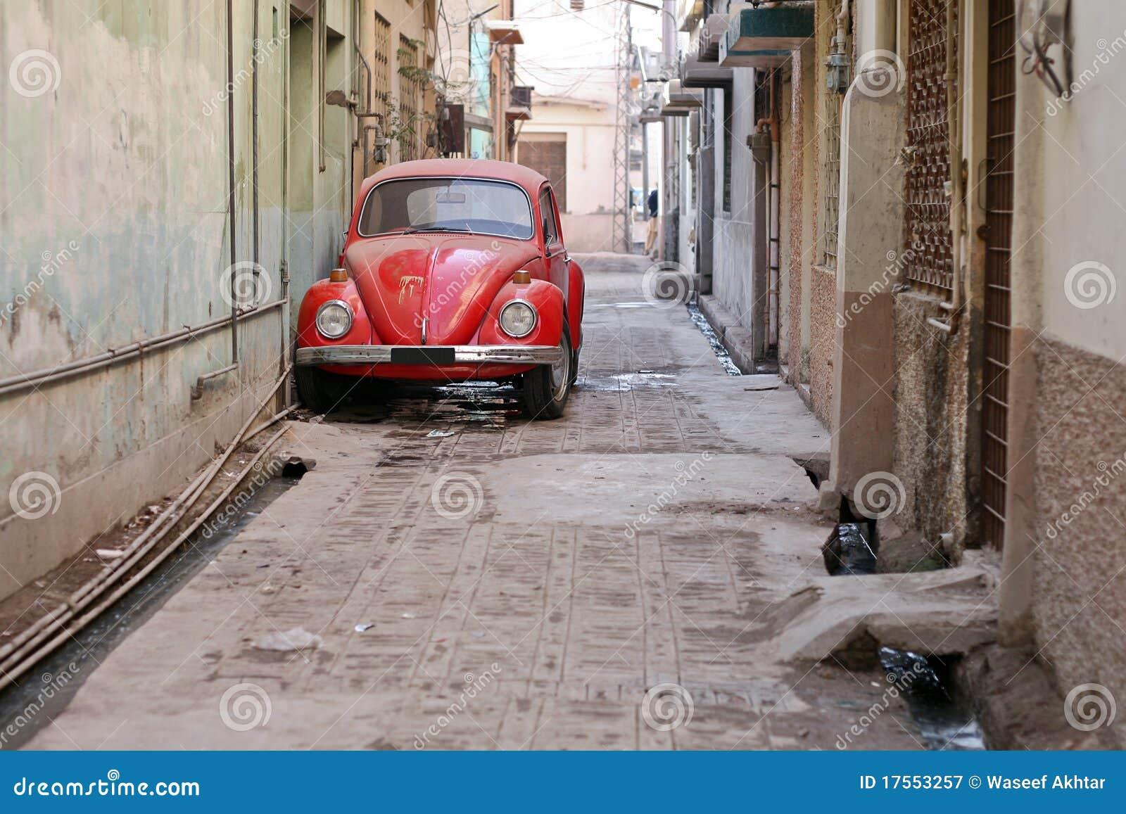 rotes altes auto stockbild bild von wiederbelebung outdoor 17553257. Black Bedroom Furniture Sets. Home Design Ideas